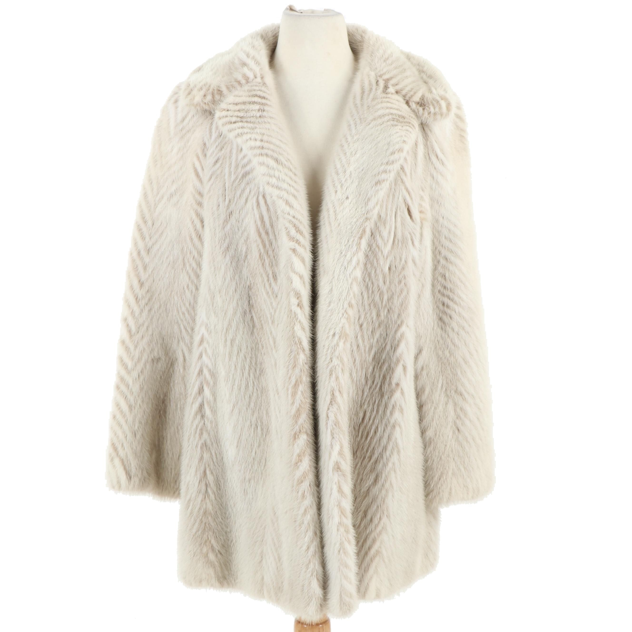 Women's Menger Smart Shops White and Taupe Chevron Pattern Mink Fur Coat