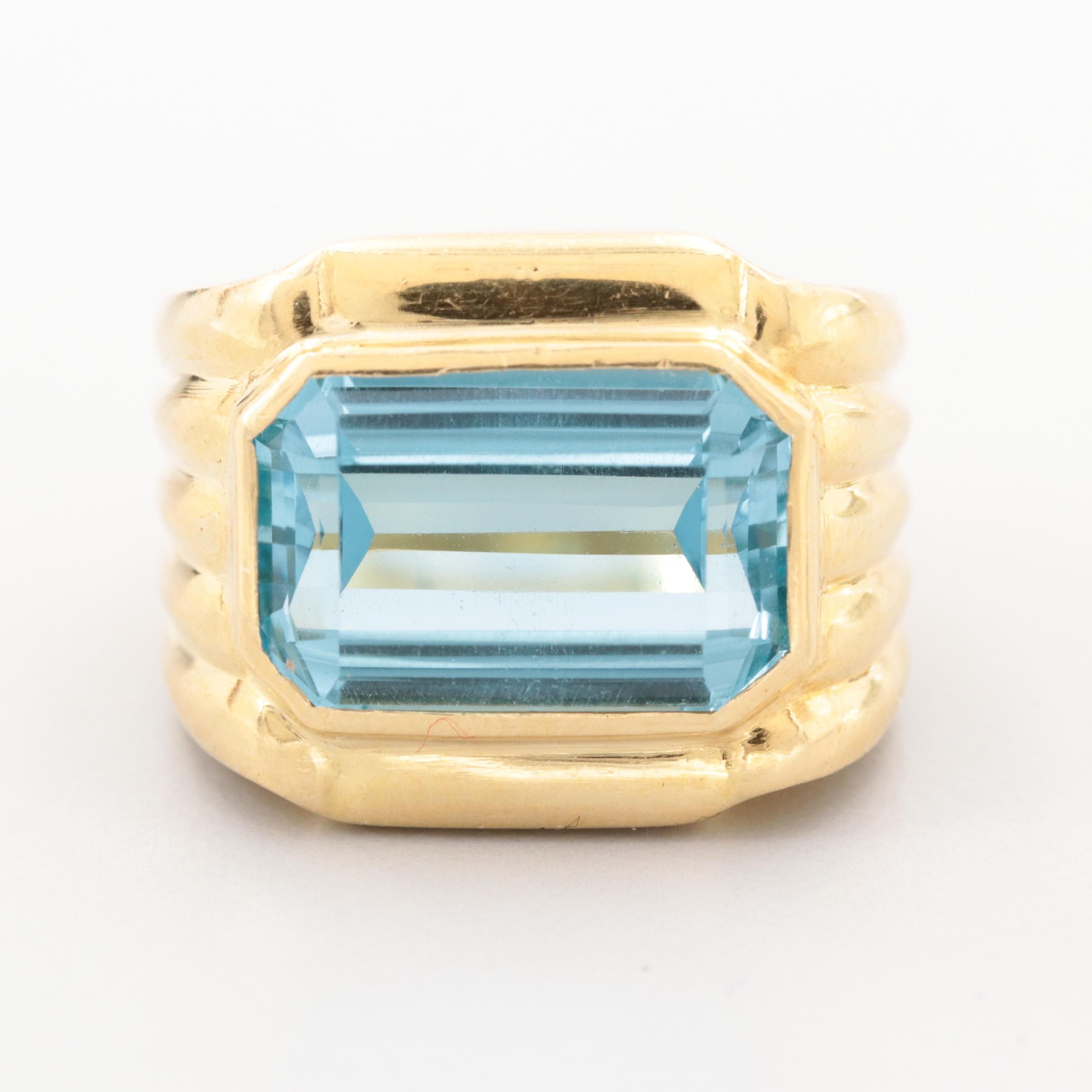 Vintage 18K Yellow Gold Topaz Ring