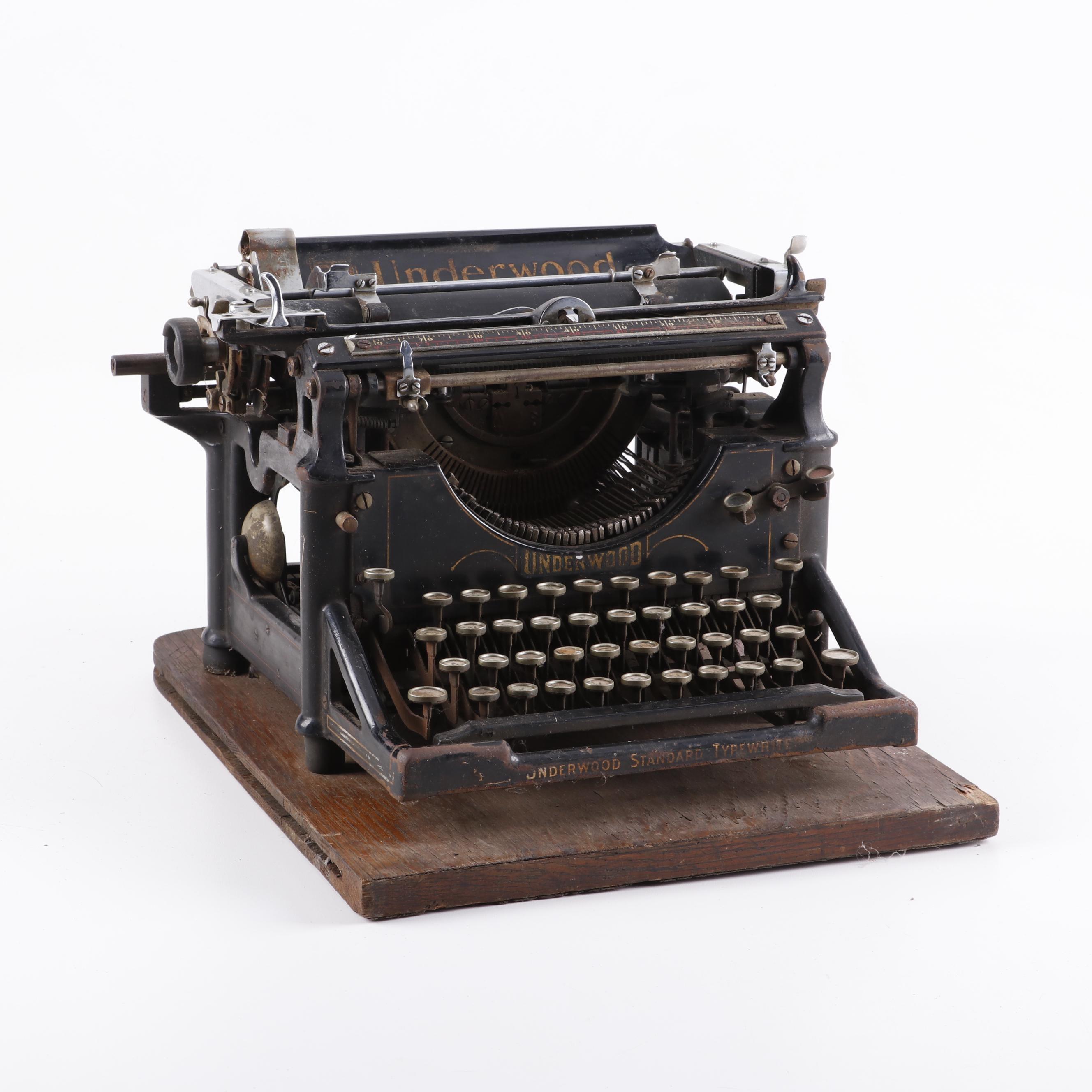 Underwood Vintage Typewriter, Early 20th Century