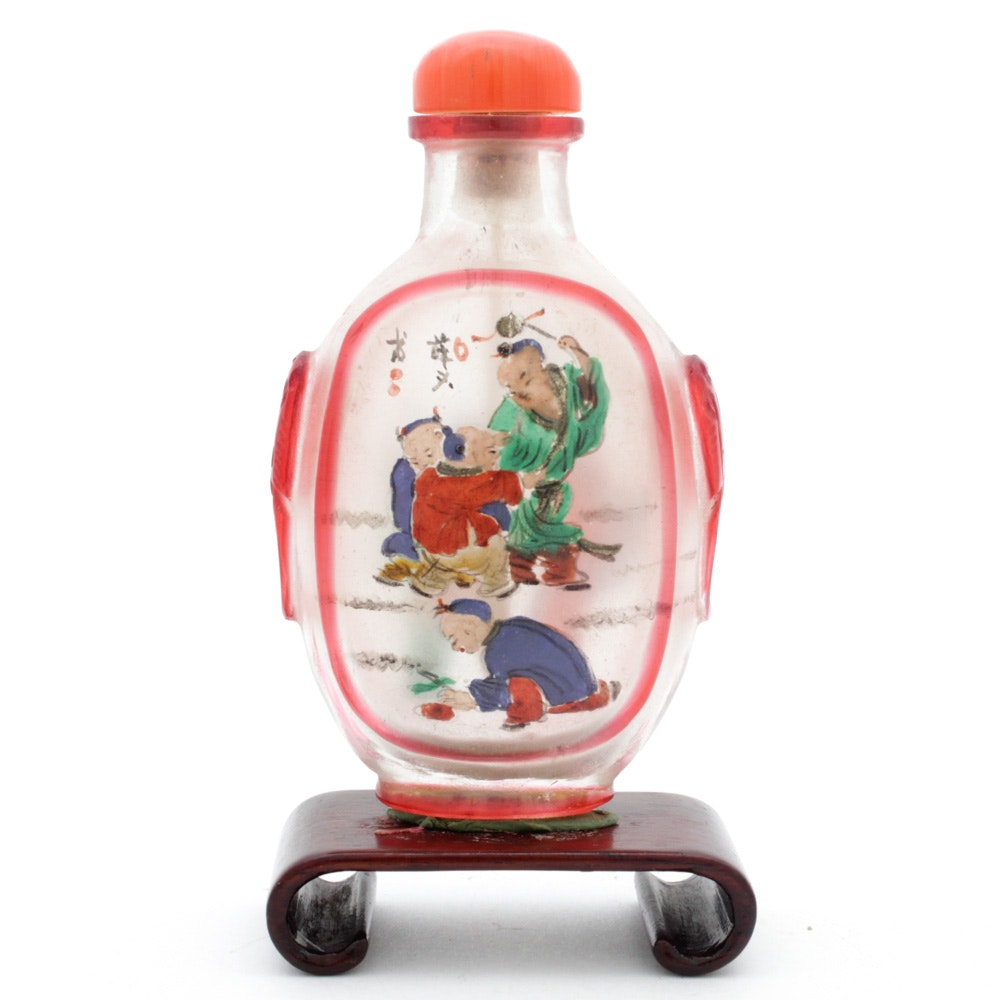 Chinese Reverse Painted and Overlay Glass Snuff Bottle