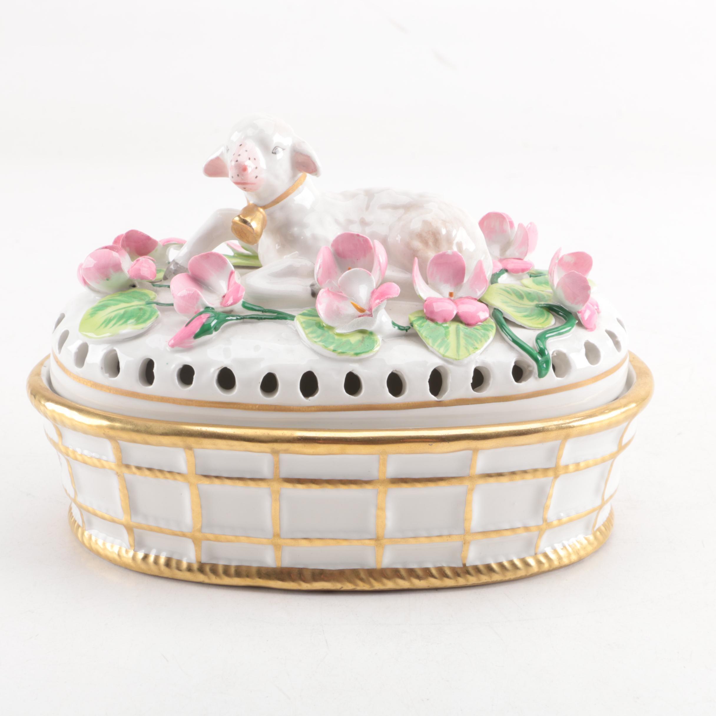 Italian Porcelain Decorative Lamb Box by Mottahedeh