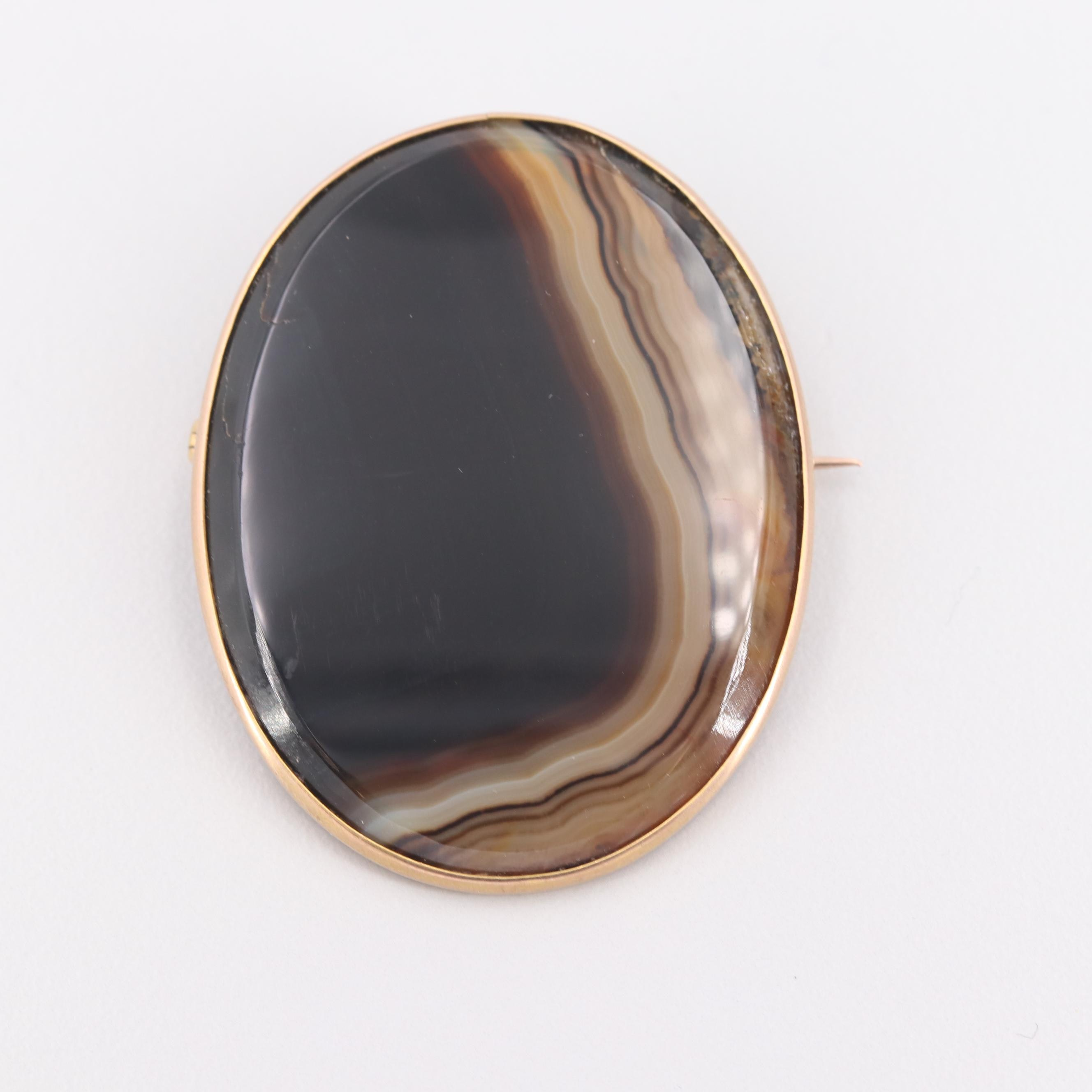 9K Yellow Gold Agate Brooch