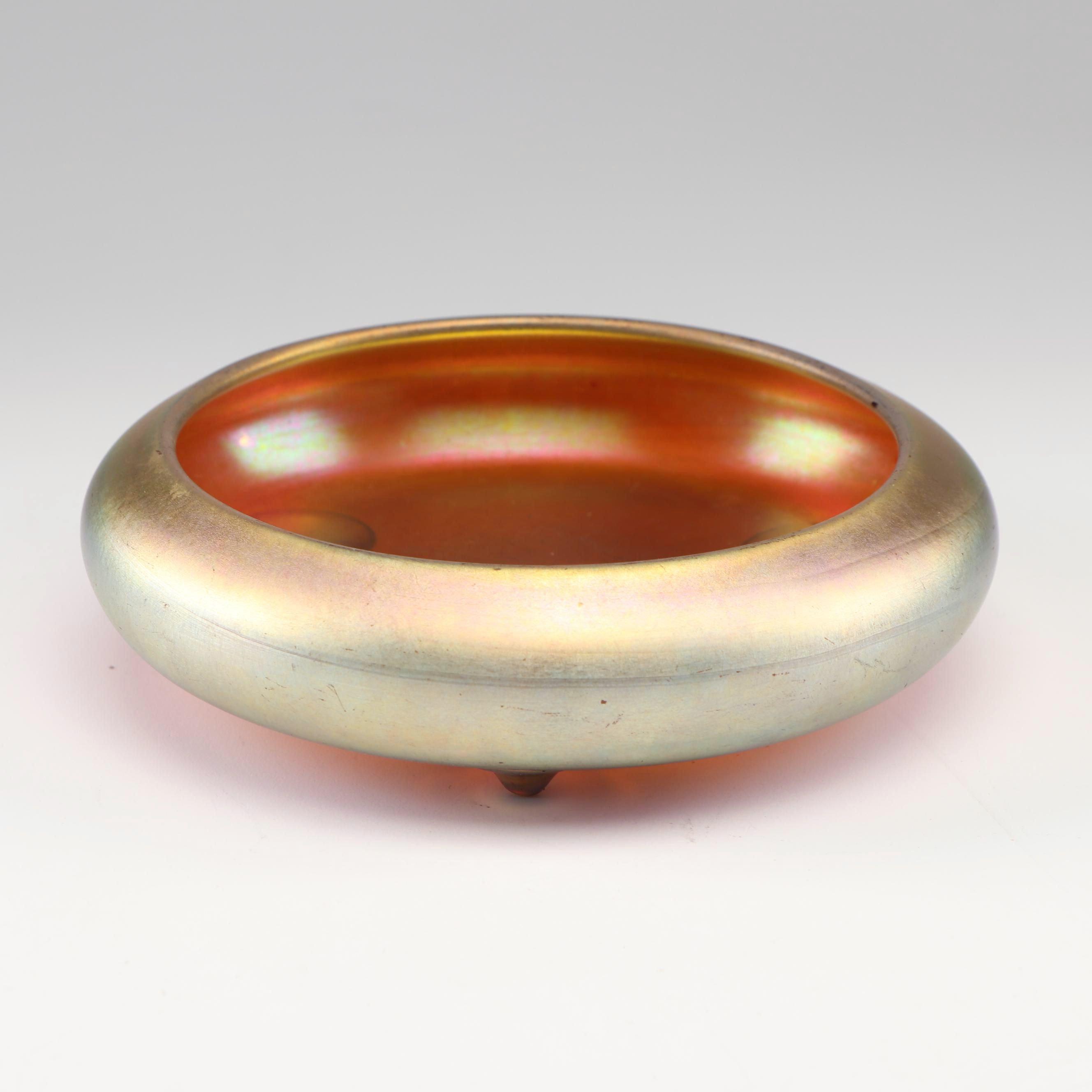 Steuben Gold Aurene Glass Centerpiece Bowl, circa 1900