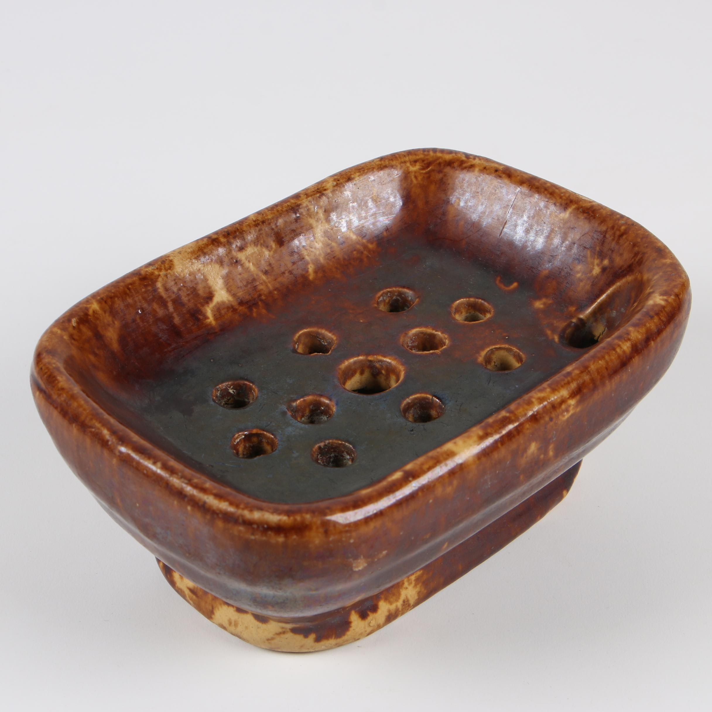 Rockingham Glazed Earthenware Soap Dish, Early 20th Century