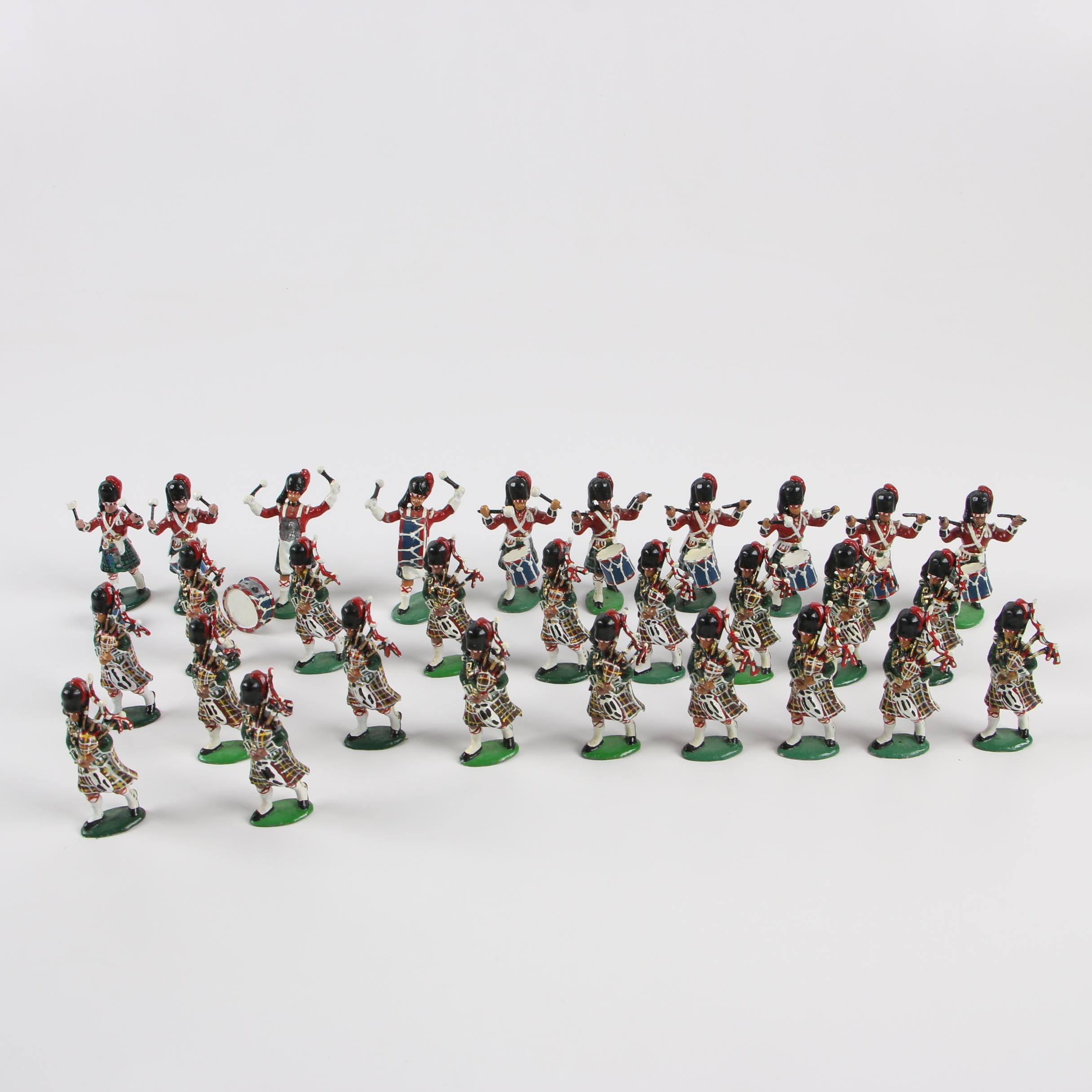 Britains Scottish Painted Lead Toy Bagpipers and Drummers