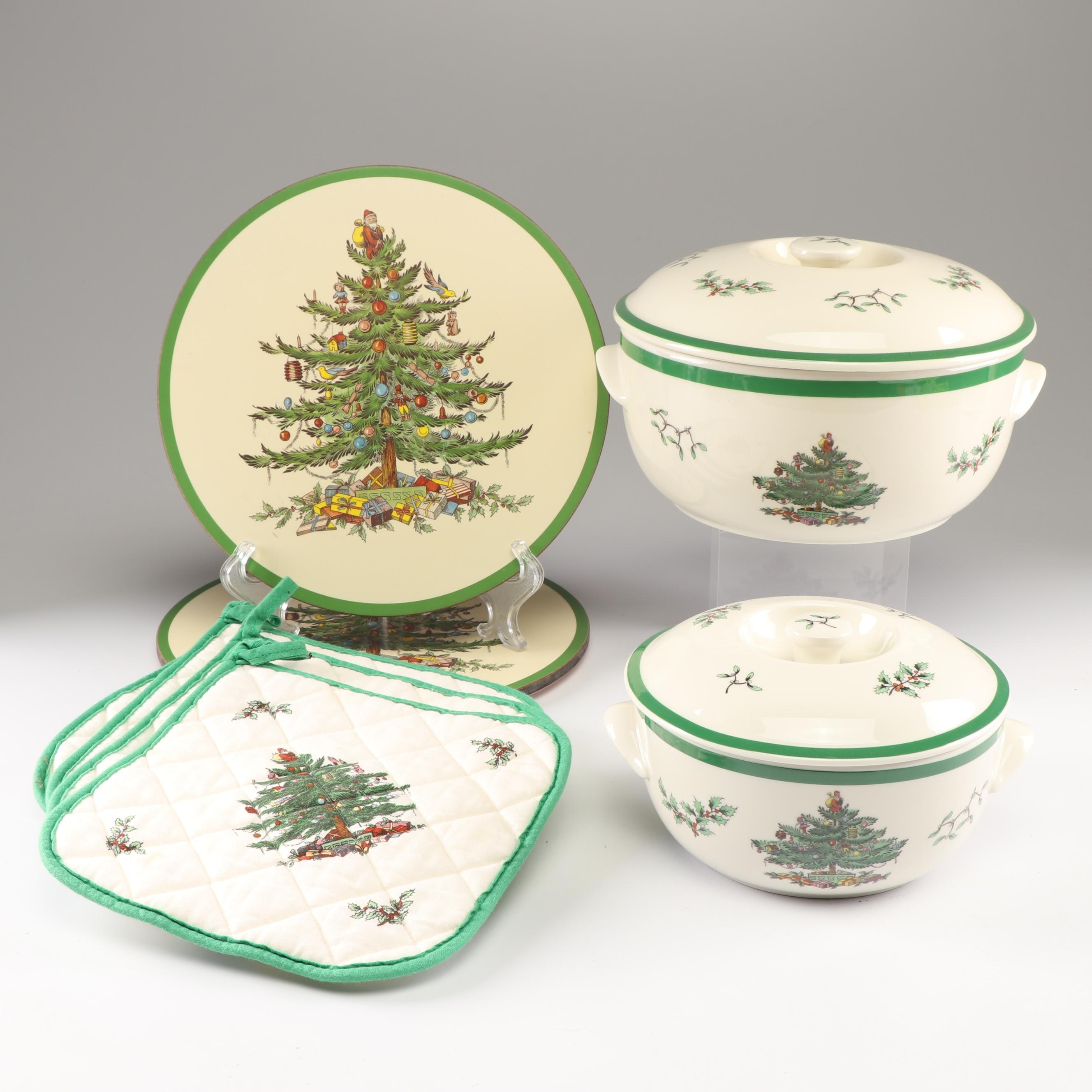 """Spode """"Christmas Tree"""" Round Casserole Dishes with Trivets and Potholders"""