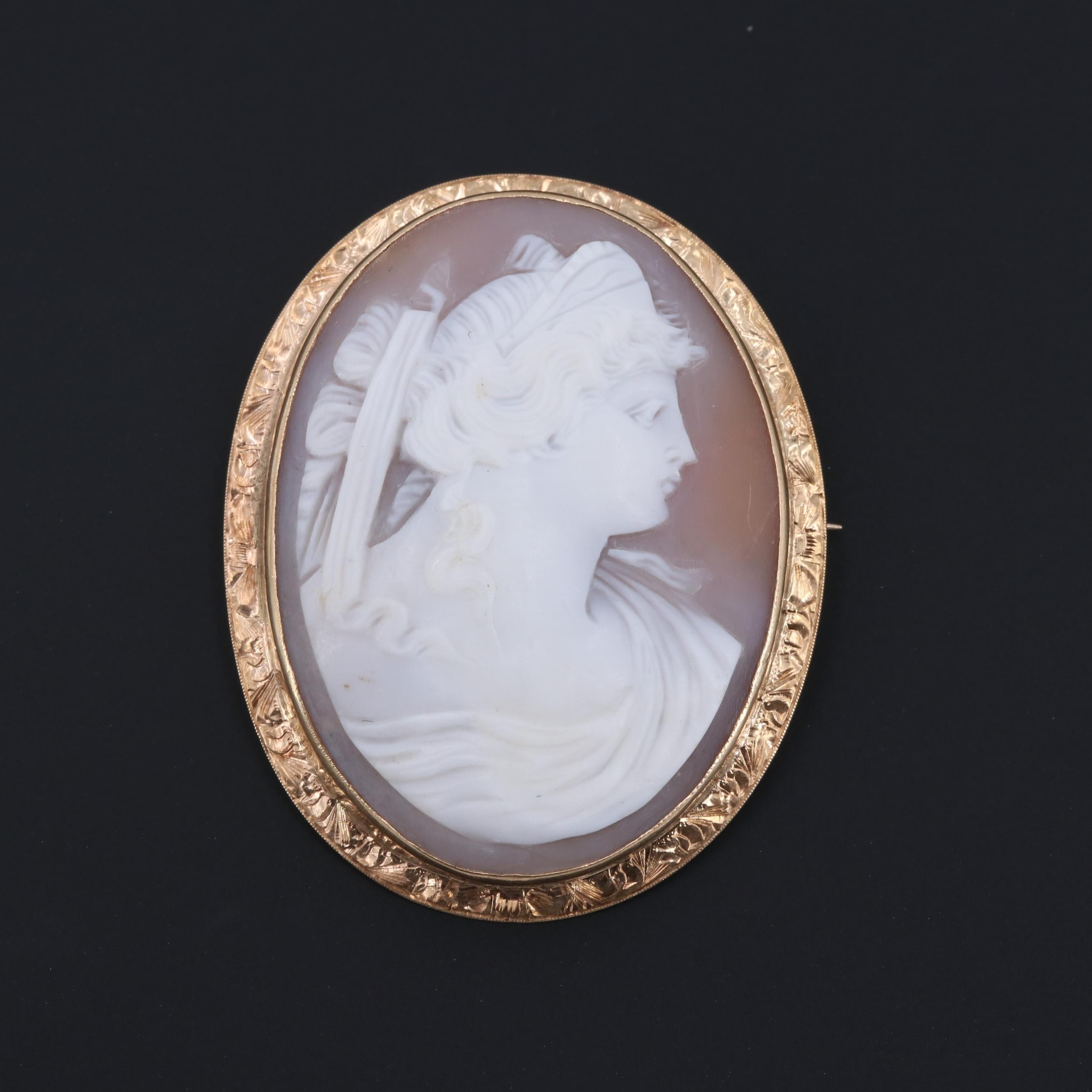 14K Yellow Gold Helmet Shell Cameo Brooch