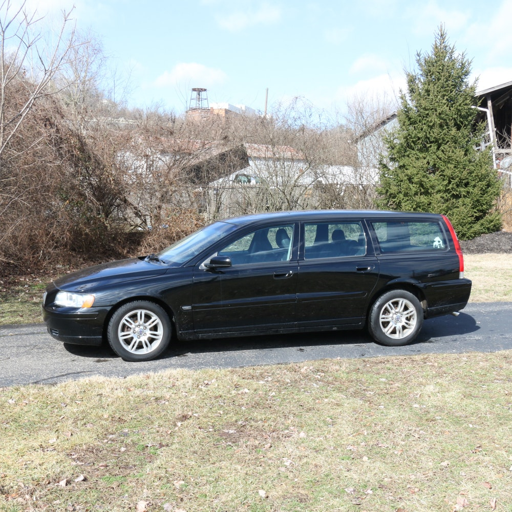 2006 Volvo V70 Wagon with Leather Interior