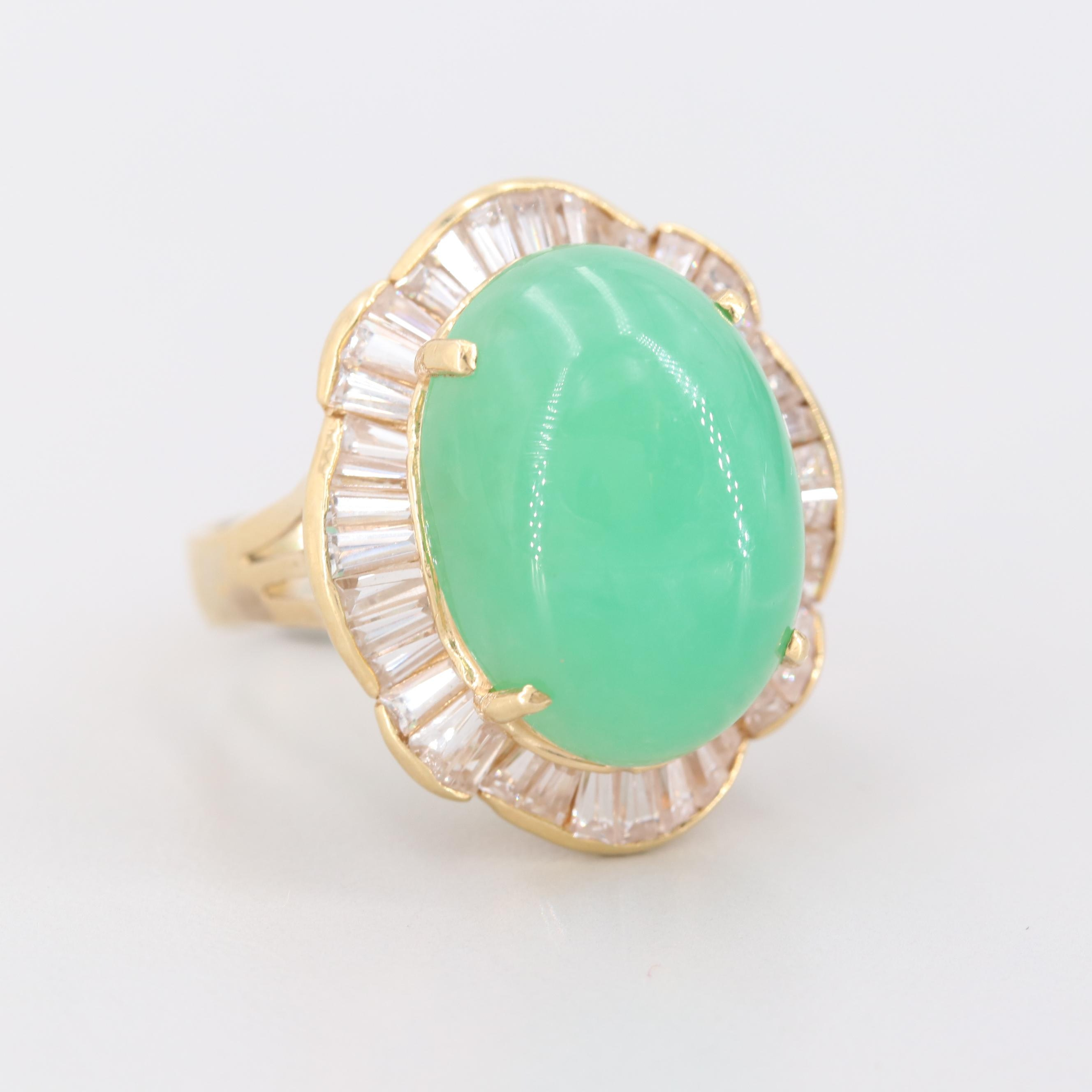 18K Yellow Gold Chrysoprase and Cubic Zirconia Ring