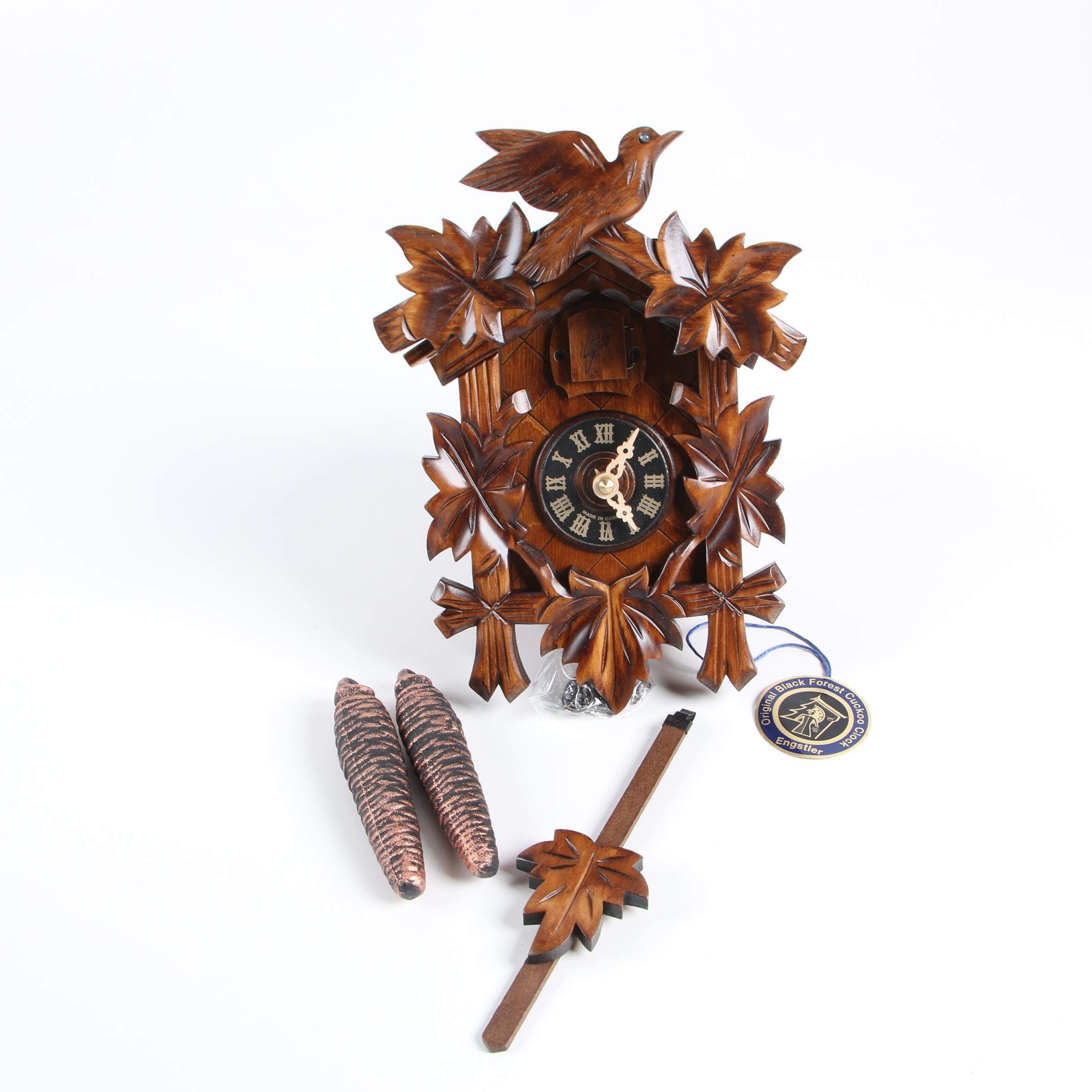 Engstler Kuckuckuhren Black Forest Cuckoo Clock with Walnut Finish