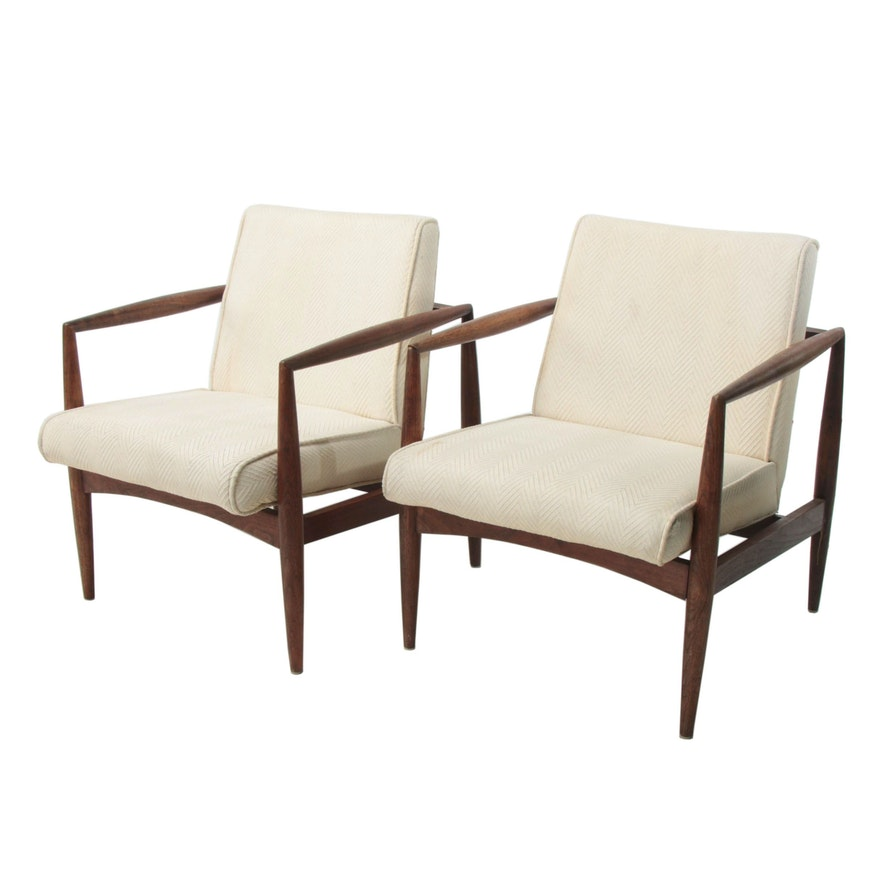 Pair Of Mid Century Modern Walnut Lounge Chairs Ebth