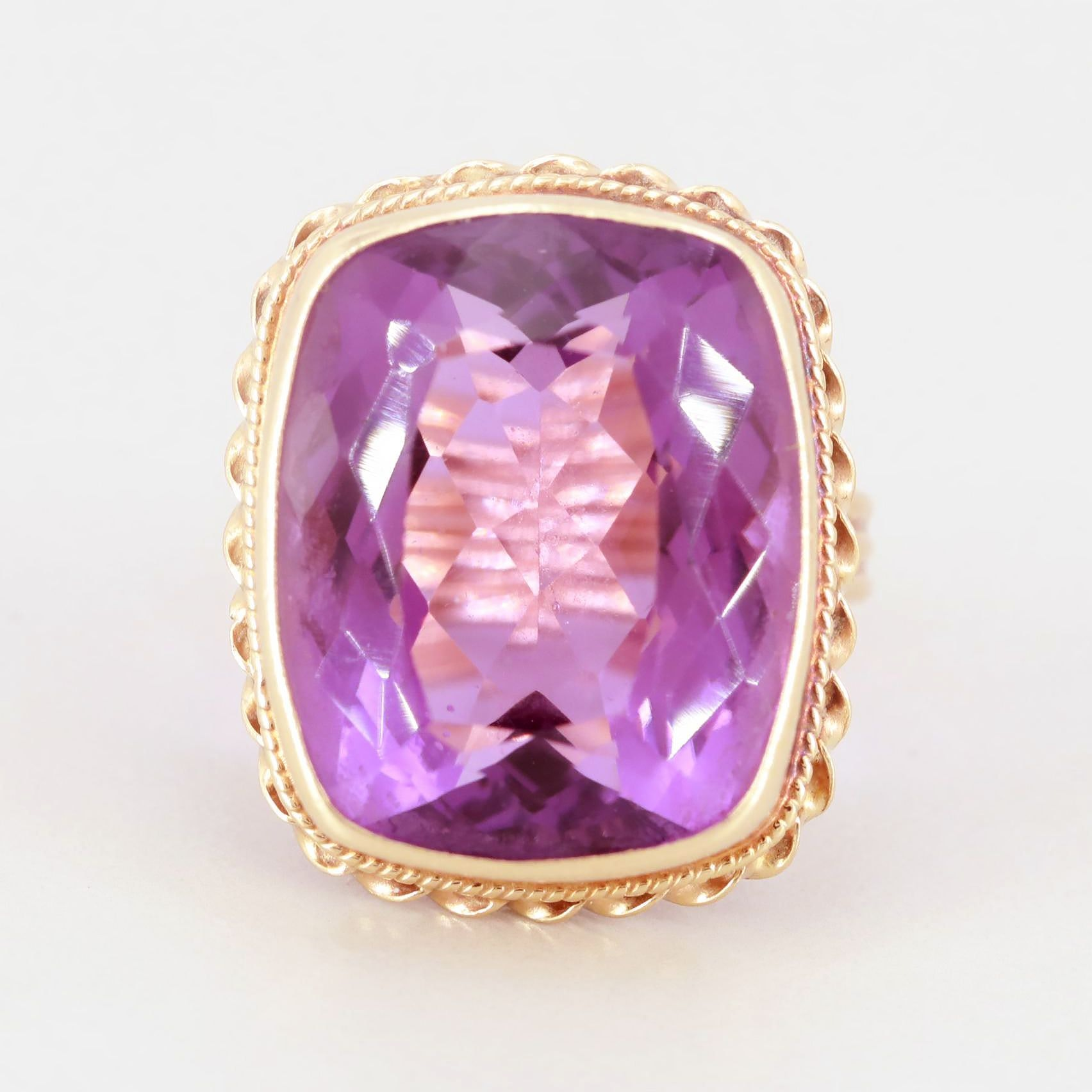 Vintage 14K Yellow Gold 19.00 CT Amethyst Ring