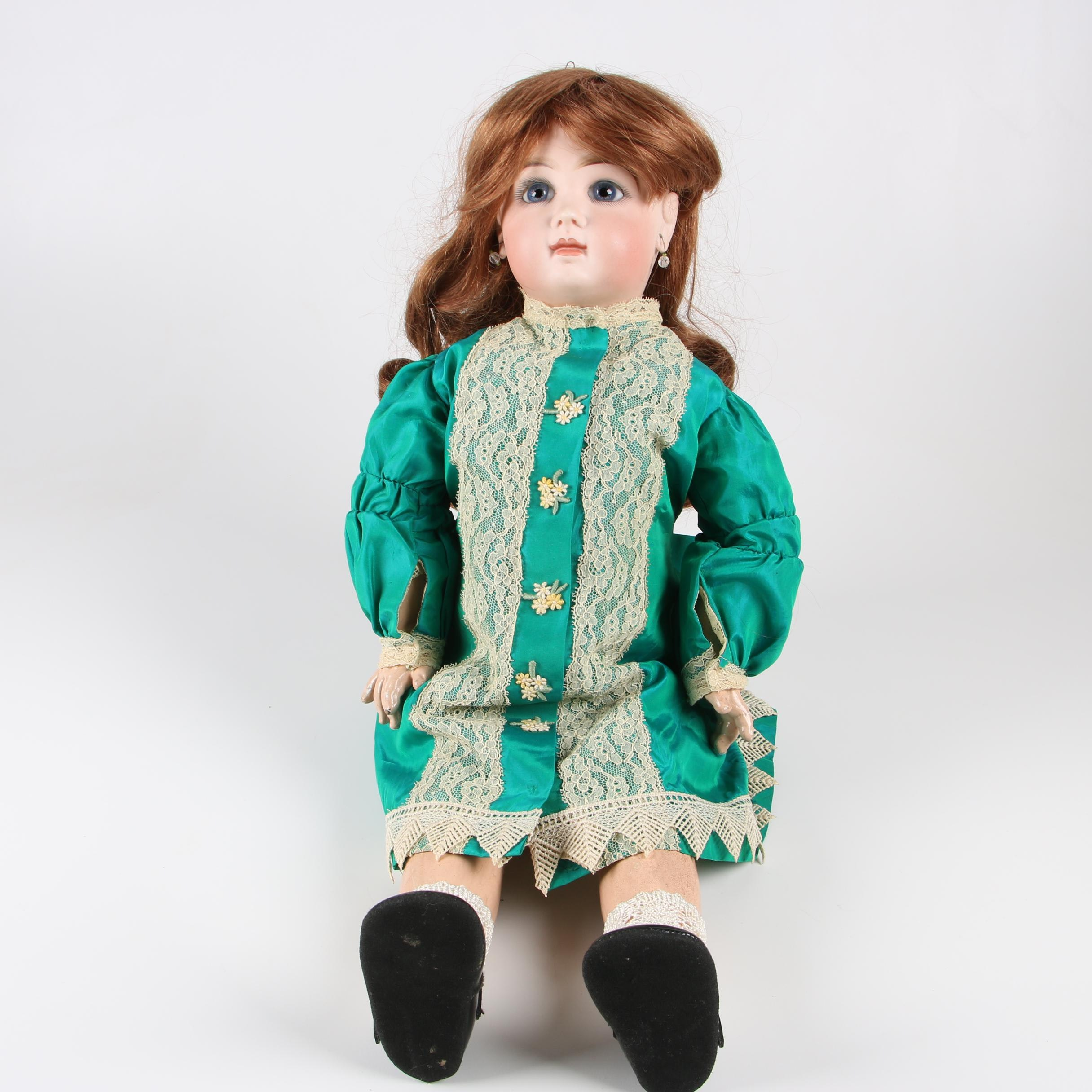 Tête Jumeau French Bisque and Composite Bébé Doll, Late 19th Century