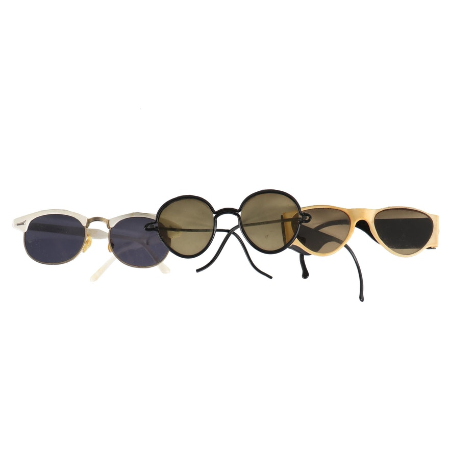 6b8a60fbd8 Three Pairs of Vintage Plastic Sunglasses   EBTH