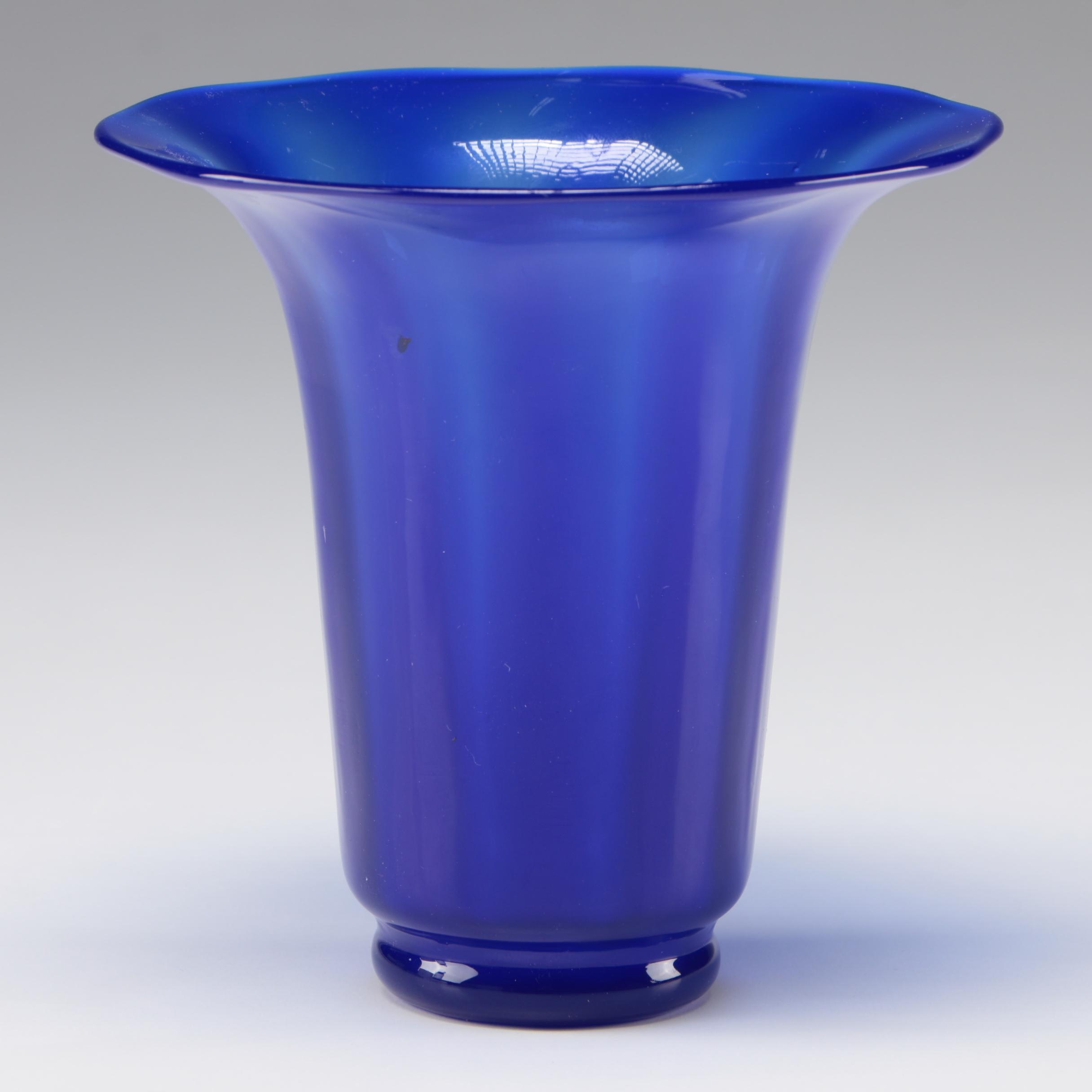 Steuben Dark Blue Jade Optic Ribbed Art Glass Vase by F. Carder, 1903-1933