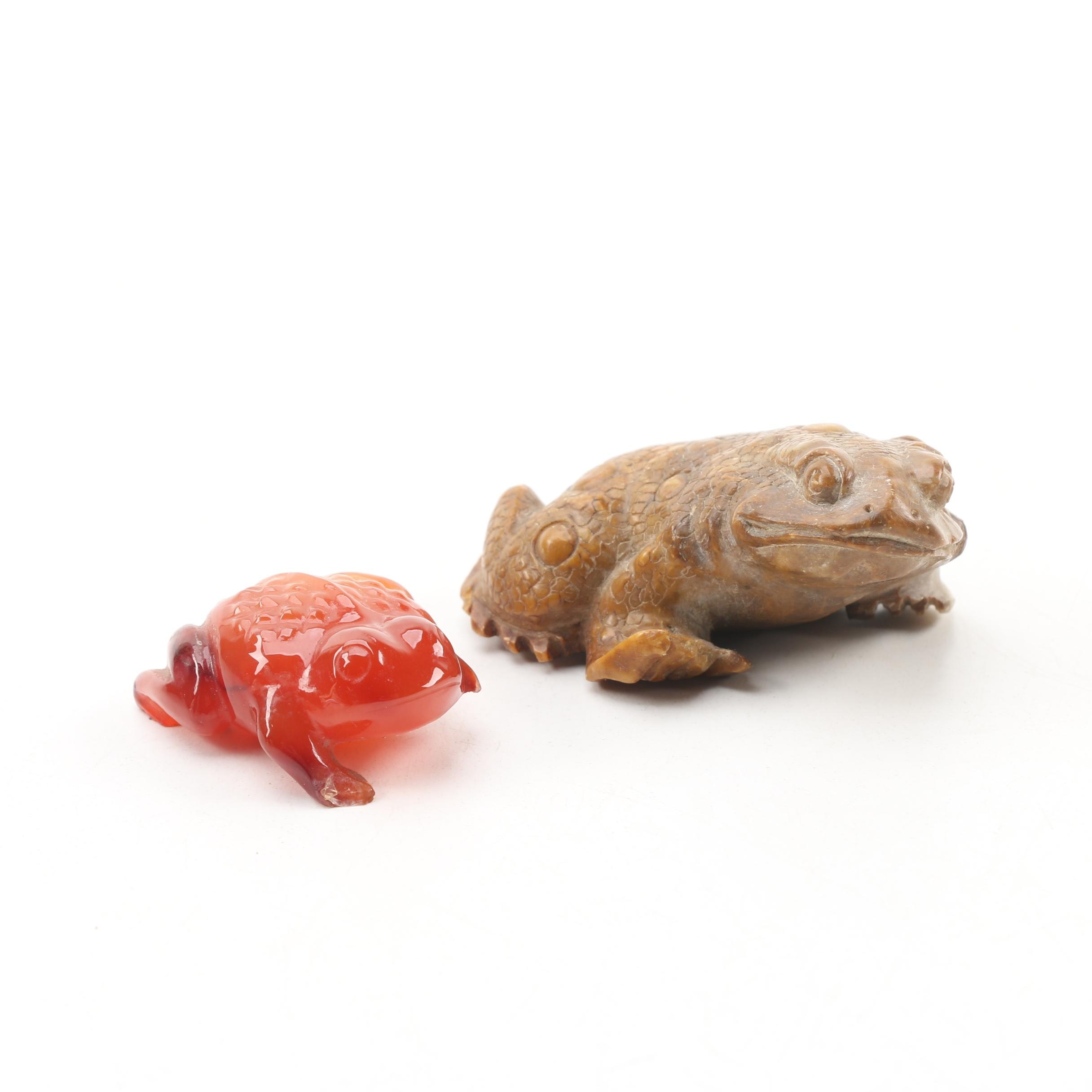 Chinese Carved Soapstone and Carnelian Agate Toads, Early 20th Century
