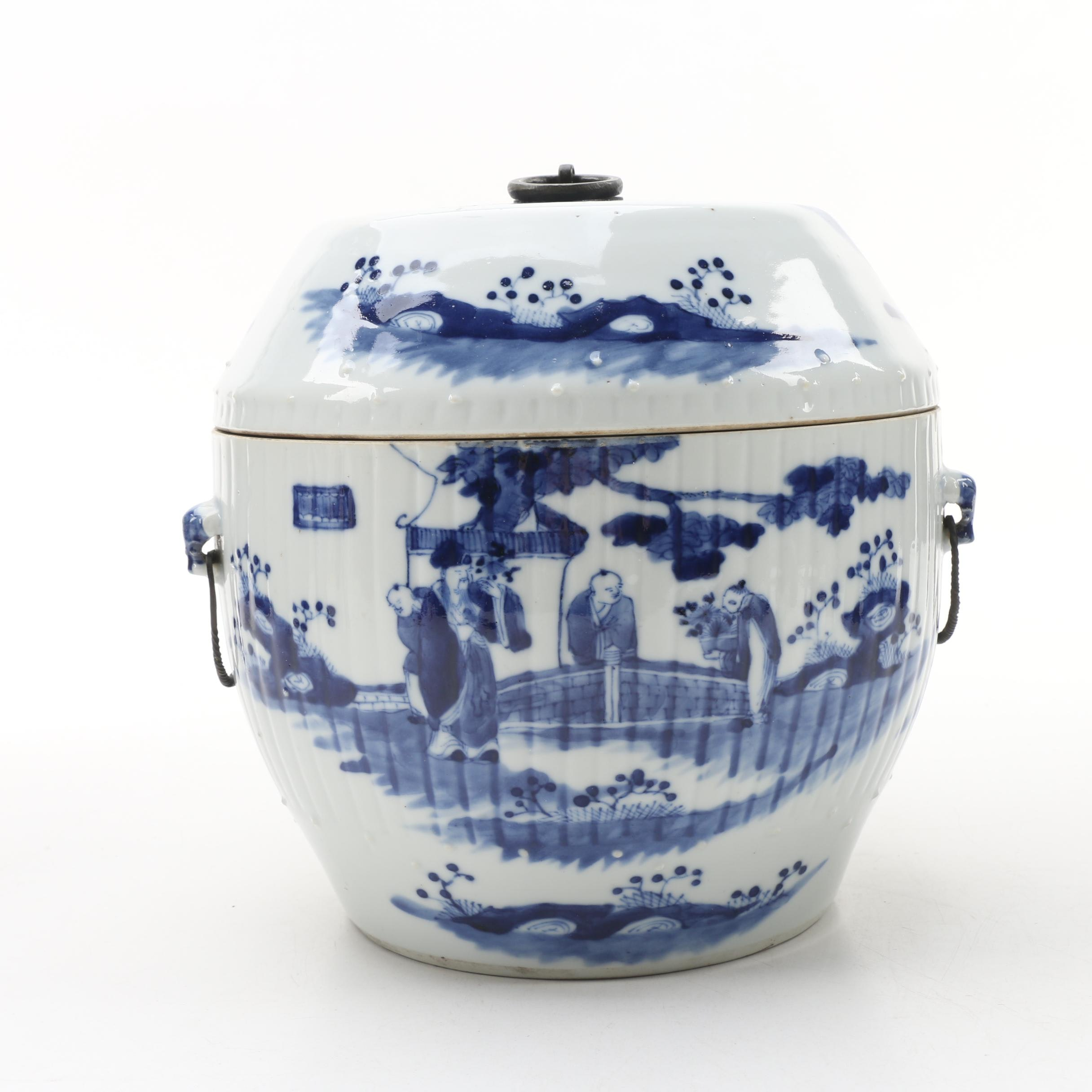Chinese Blue and White Ceramic Covered Storage Jar, Mid-Qing Dynasty