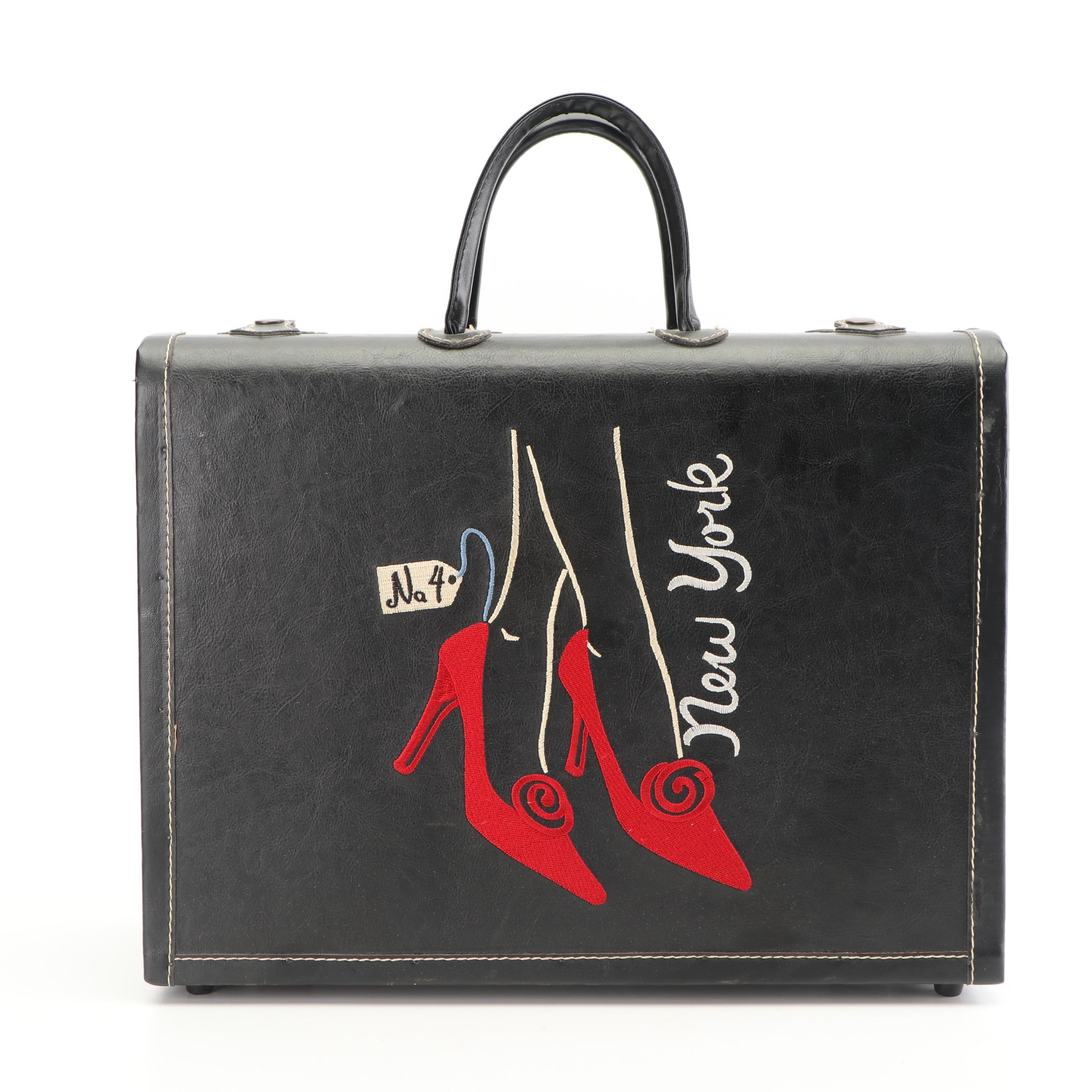 """""""New York"""" Red High Heels Embroidered Train Case, Vintage"""