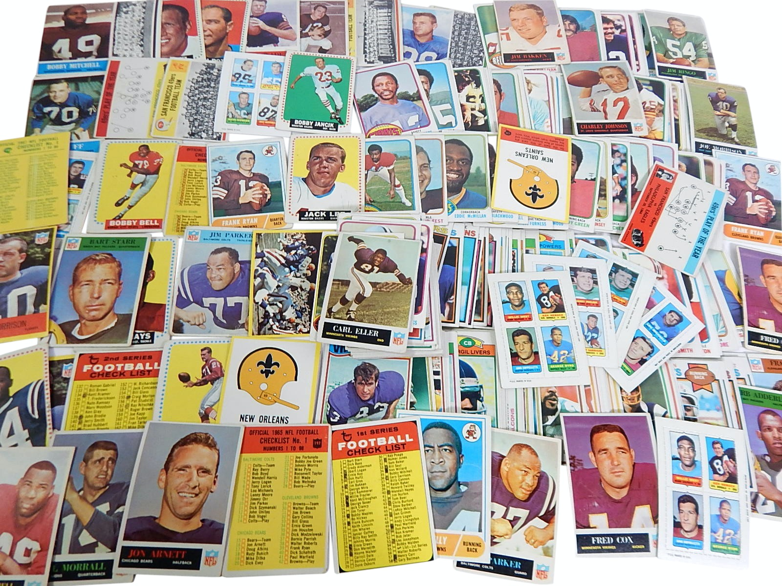 1960s/1970s Topps Football Card Collection with Starr, Mitchell, Eller RC