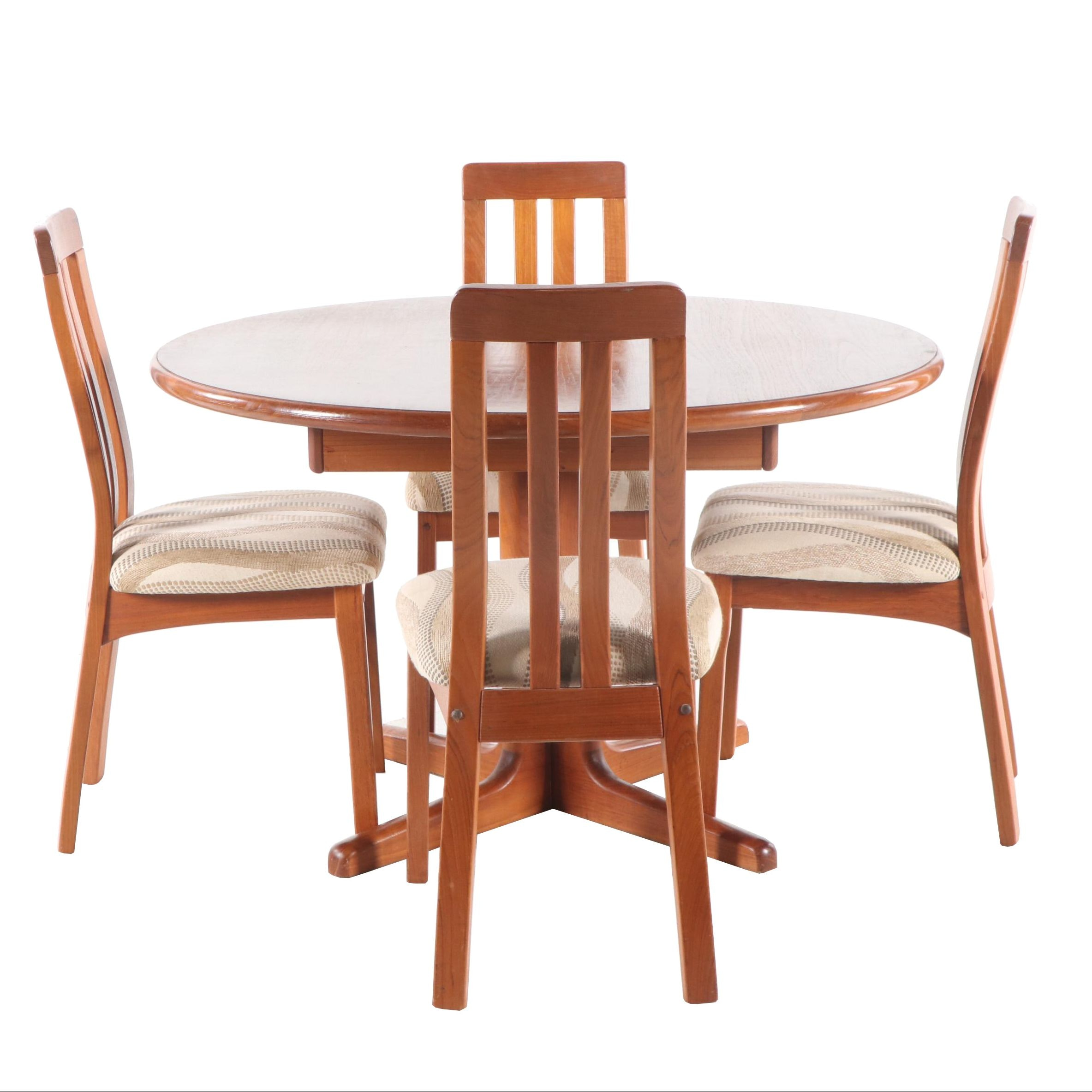 Mid-Century Oak Dining Table and Chairs in the Style of Benny Linden