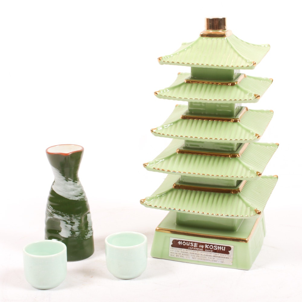 House of Koshu Pagoda Sake Decanter, Ceramic Sake Set, Vintage
