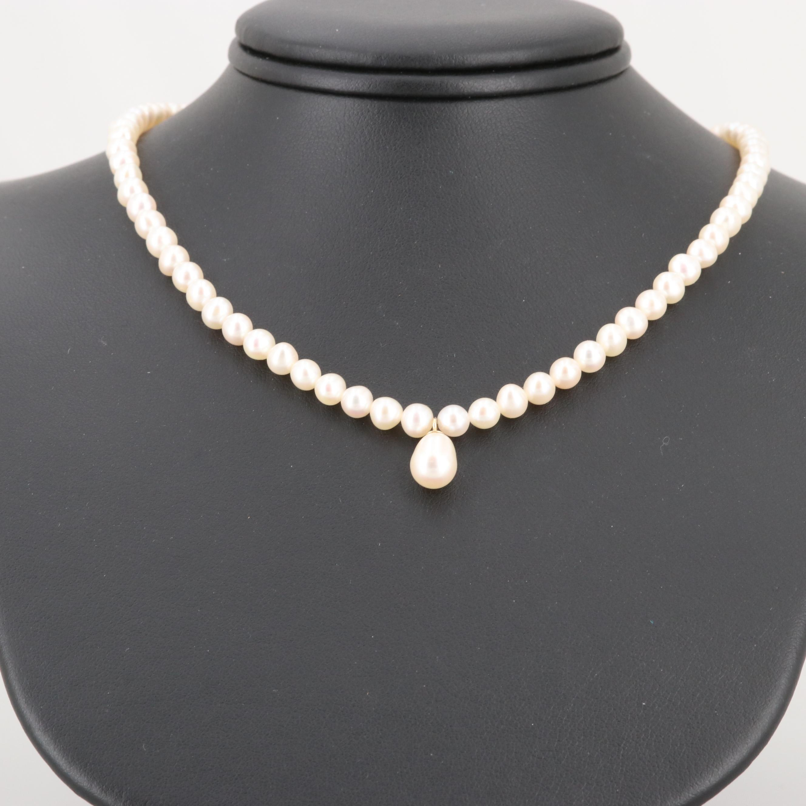 Cultured Pearl Beaded Necklace with 14K Yellow Gold Clasp