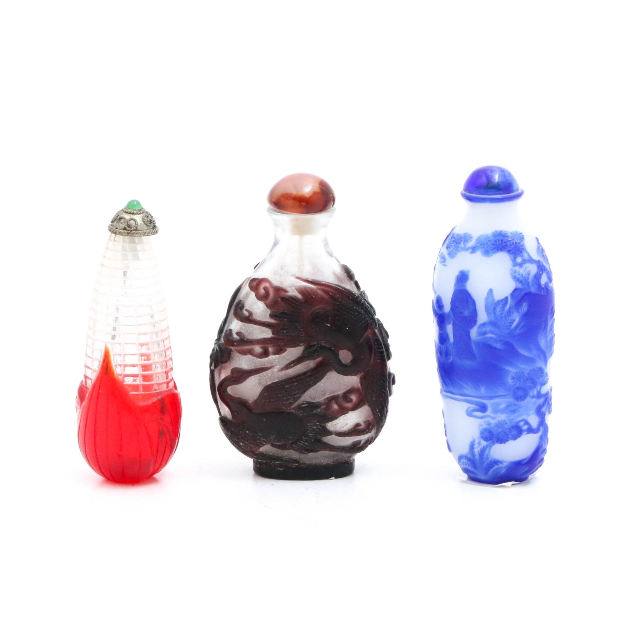 Chinese Cameo Peking Glass Snuff Bottles