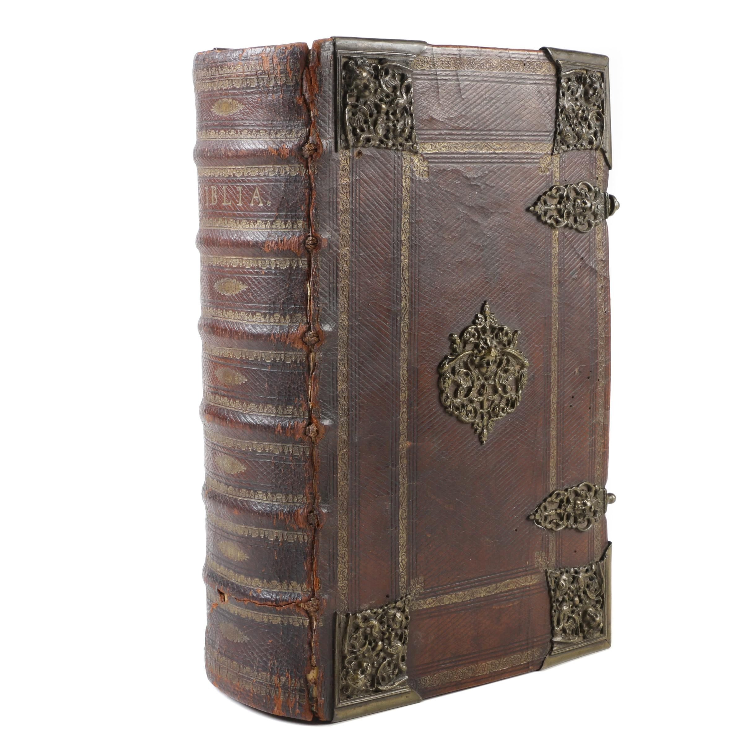 1707 Illustrated German-Language Lutheran Bible, Leather Bound with Clasp