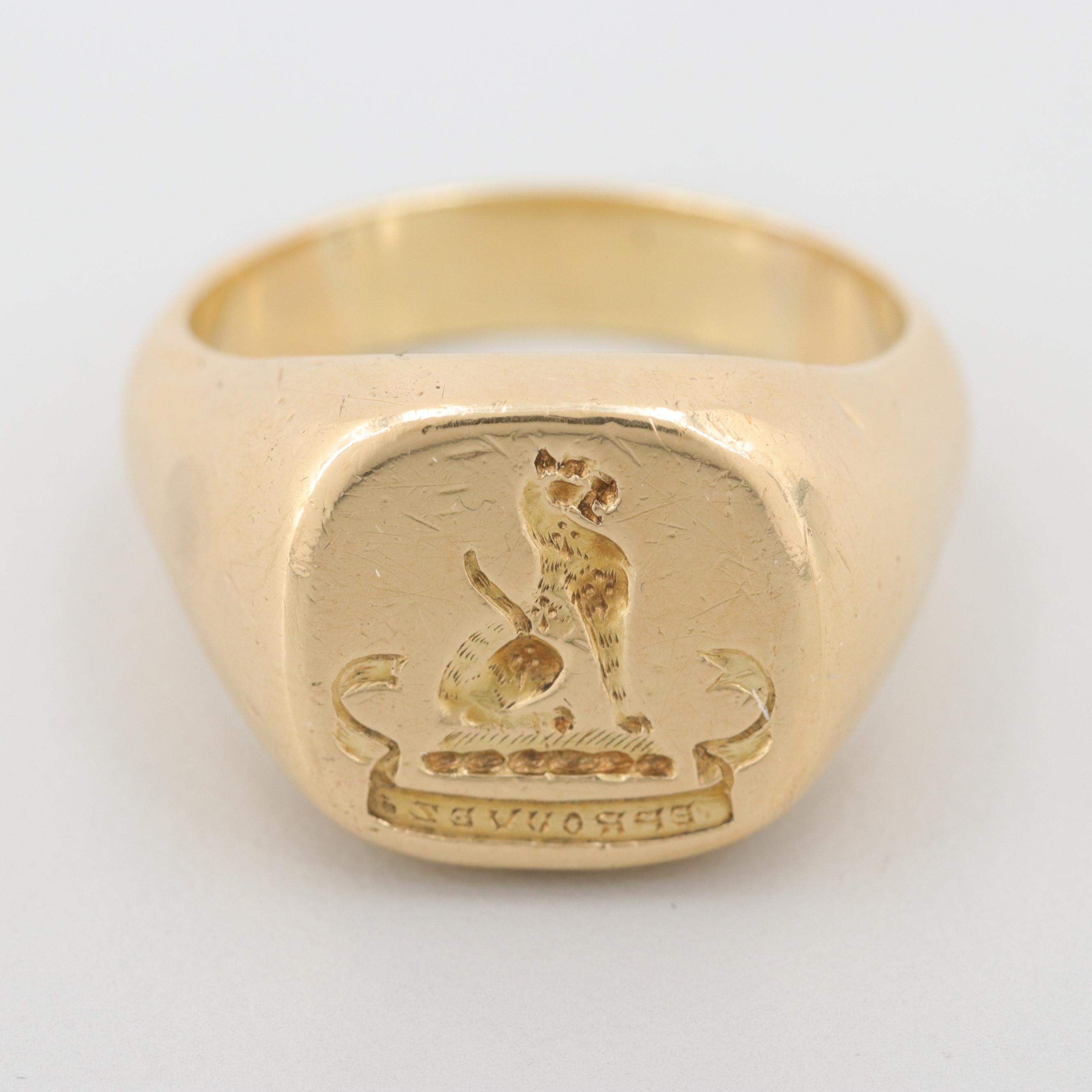 Circa 1983 Sheffield England 18K Yellow Gold Signet Ring