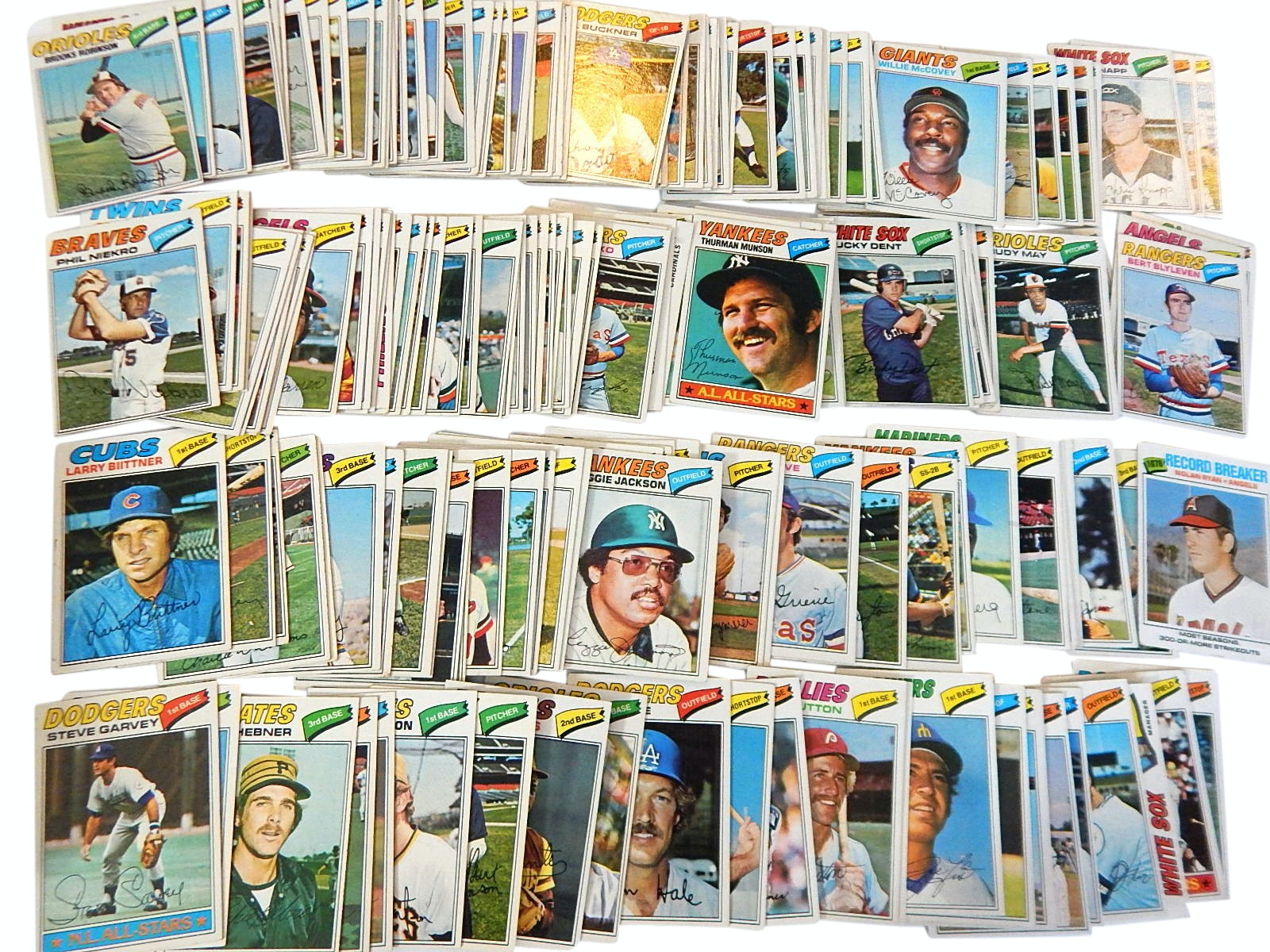 1977 Topps Baseball Card Collection with Munson, Jackson, Garvey and More