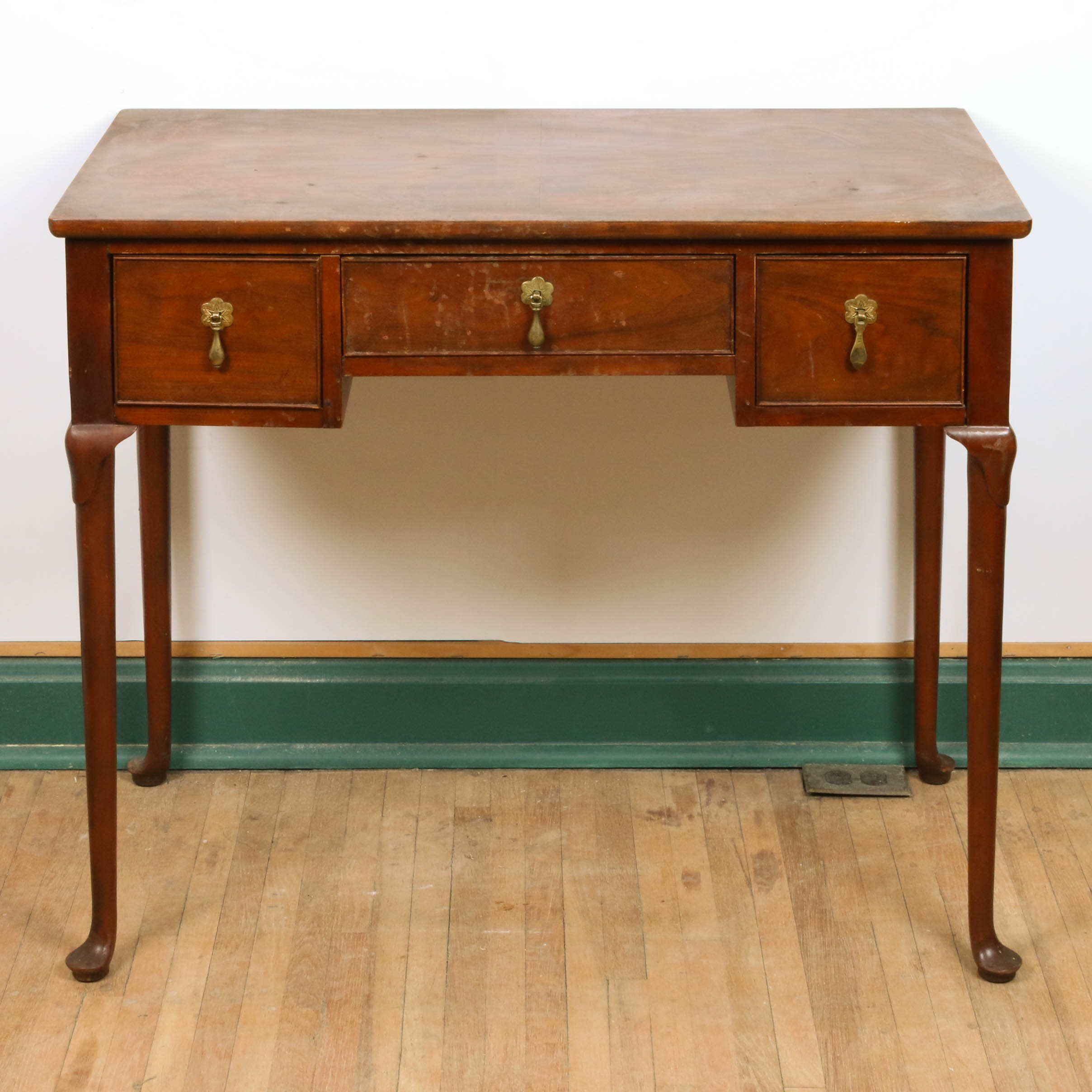 Queen Anne Style Burlwood Maple Writing Desk from Baker Furniture , 20th Century