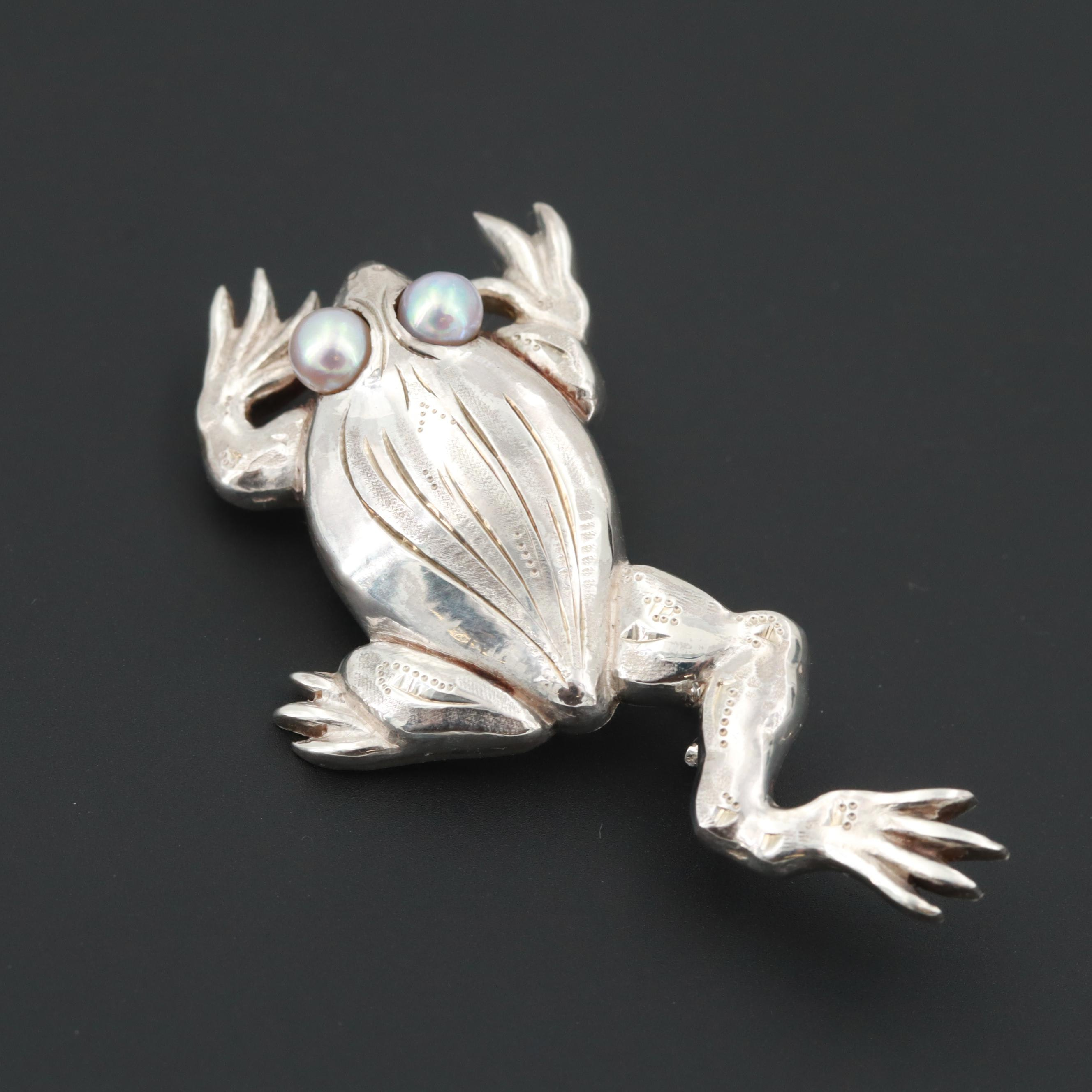 Sterling Silver Cultured Pearl Frog Brooch