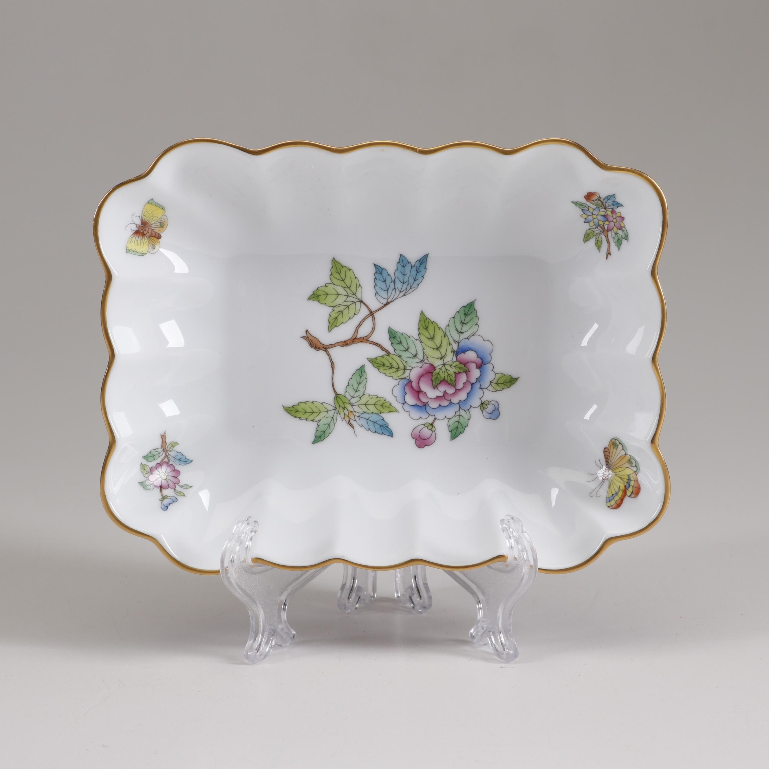 "Herend ""Queen Victoria"" Fluted Porcelain Dish"