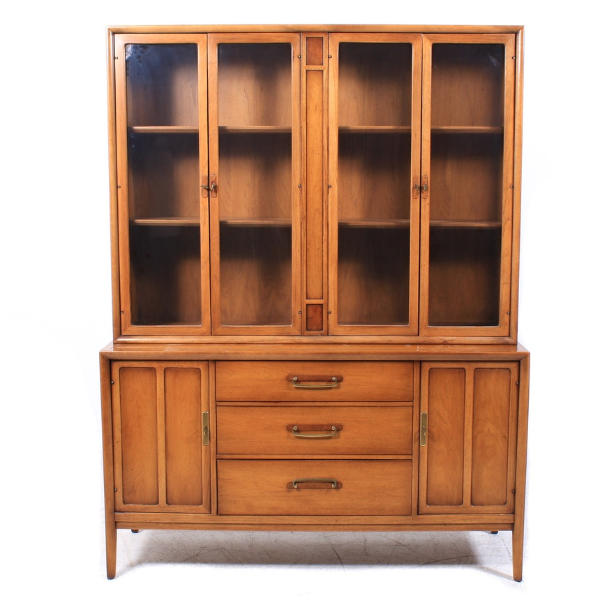 "Drexel ""Meridian"" Mid Century Modern Display Cabinet, 1960s"