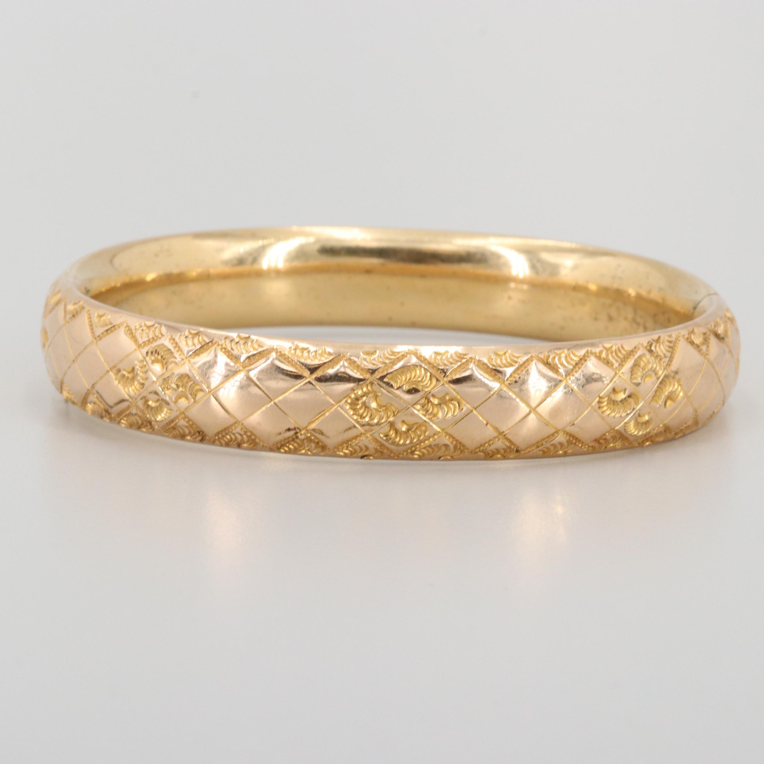 Vintage Gold Tone Hinged Bangle Bracelet