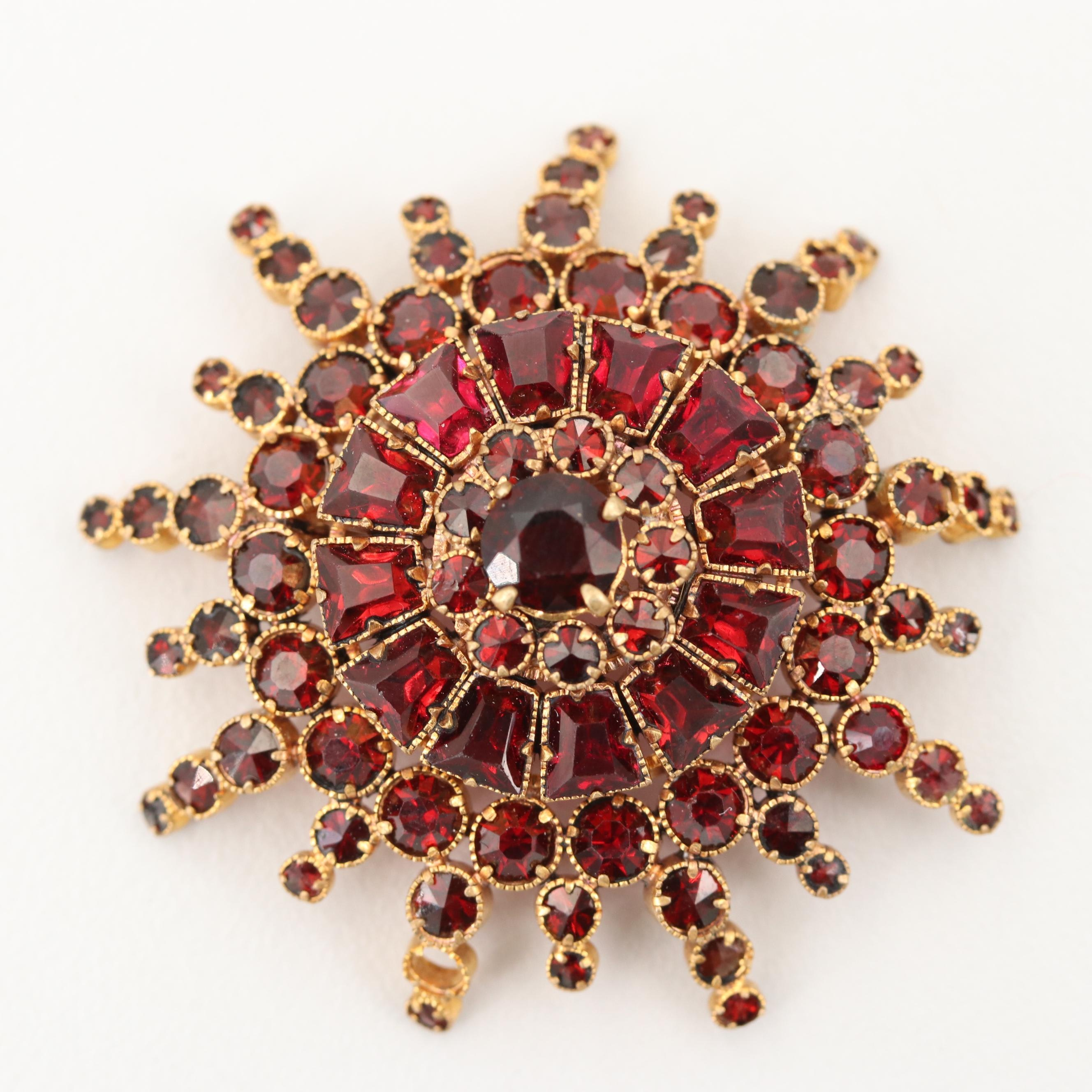 Vintage Gold Tone Faceted Glass Brooch