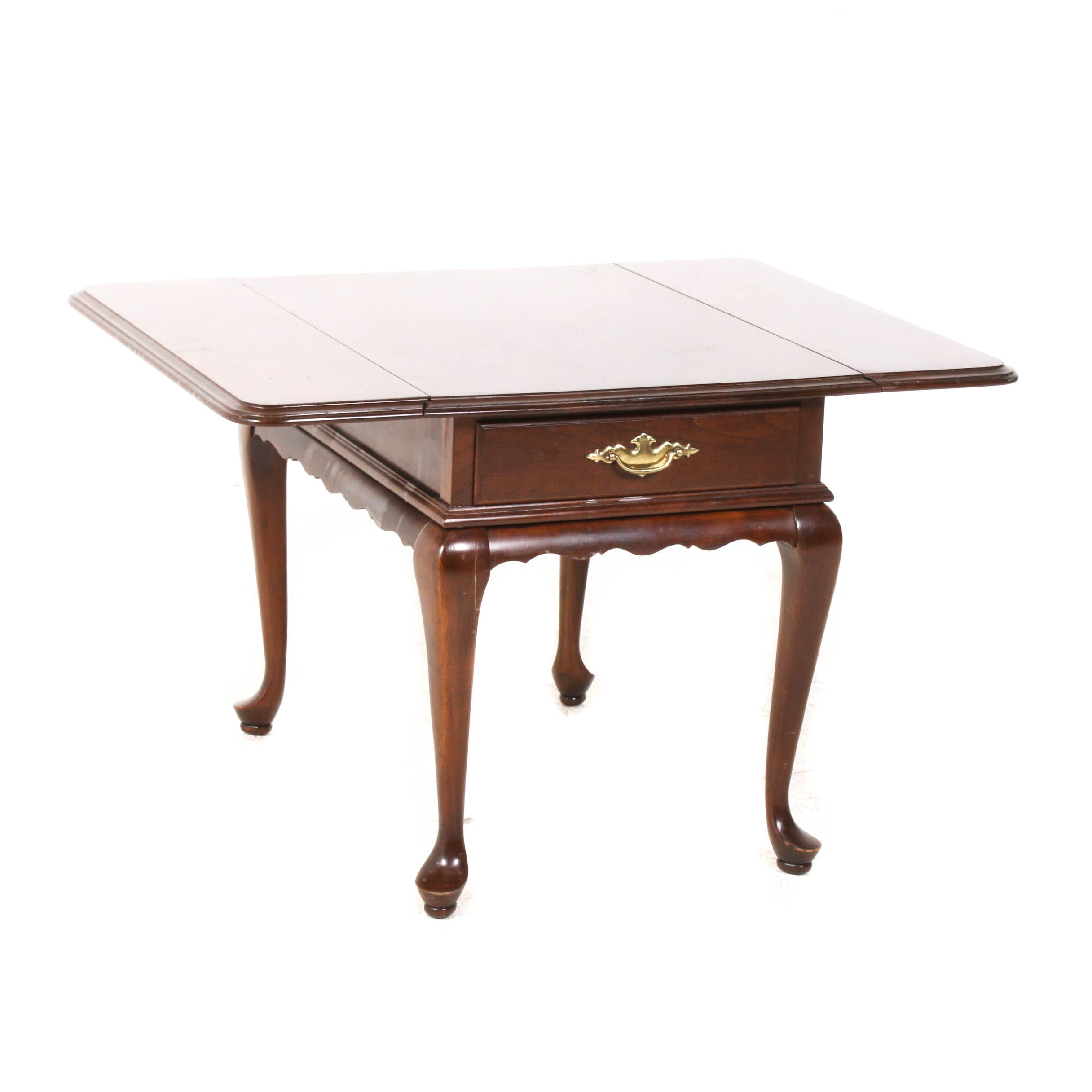 Ethan Allen Queen Anne Style Wood Drop Leaf Accent Table, Mid-Late 20th Century