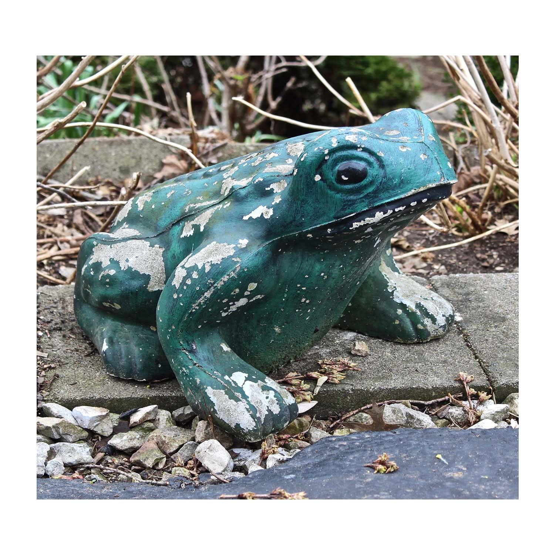 Concrete Garden Frog Sculpture
