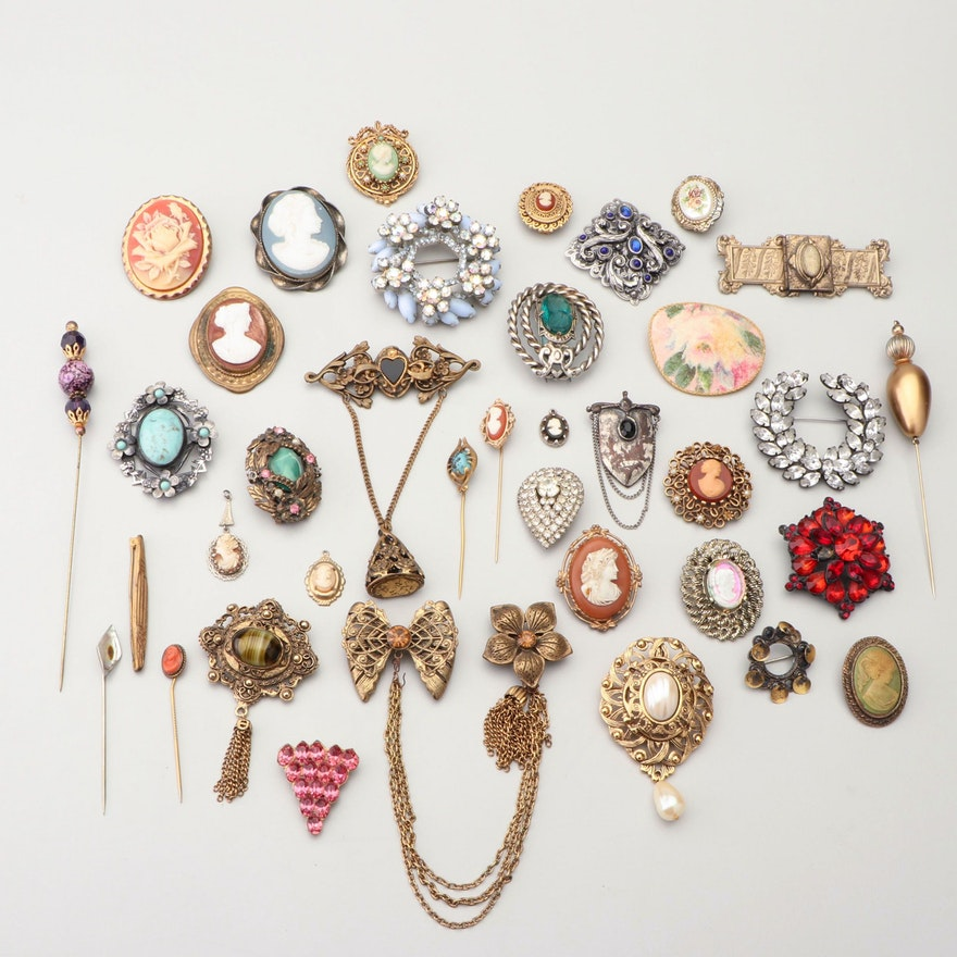 Vintage Brooches, Pins, and Shoe Clips