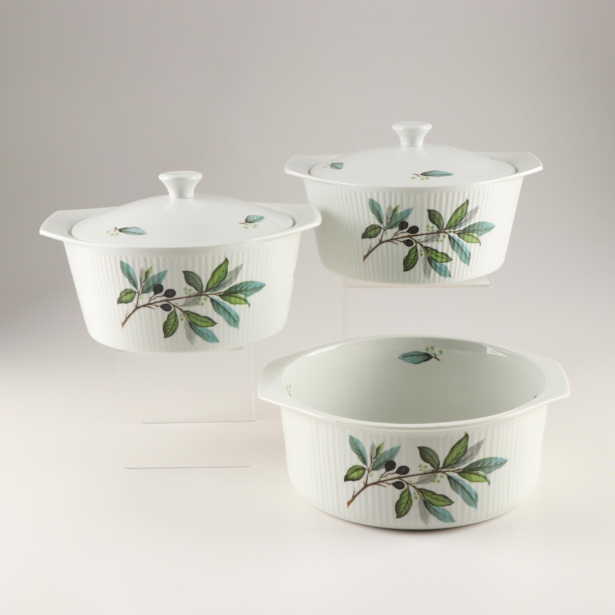Porcelaine A Feu Covered Casserole And Souffle Dishes Ebth