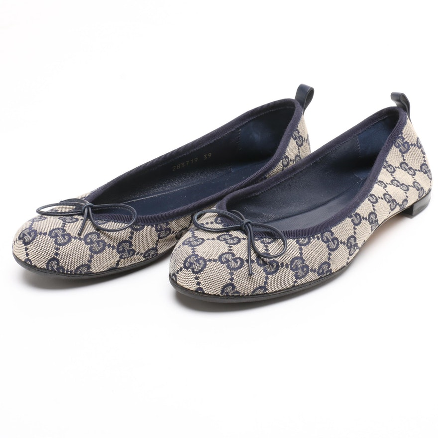 2bd5dfcd3f68 Gucci Navy Blue and Cream GG Canvas and Leather Ballet Flats