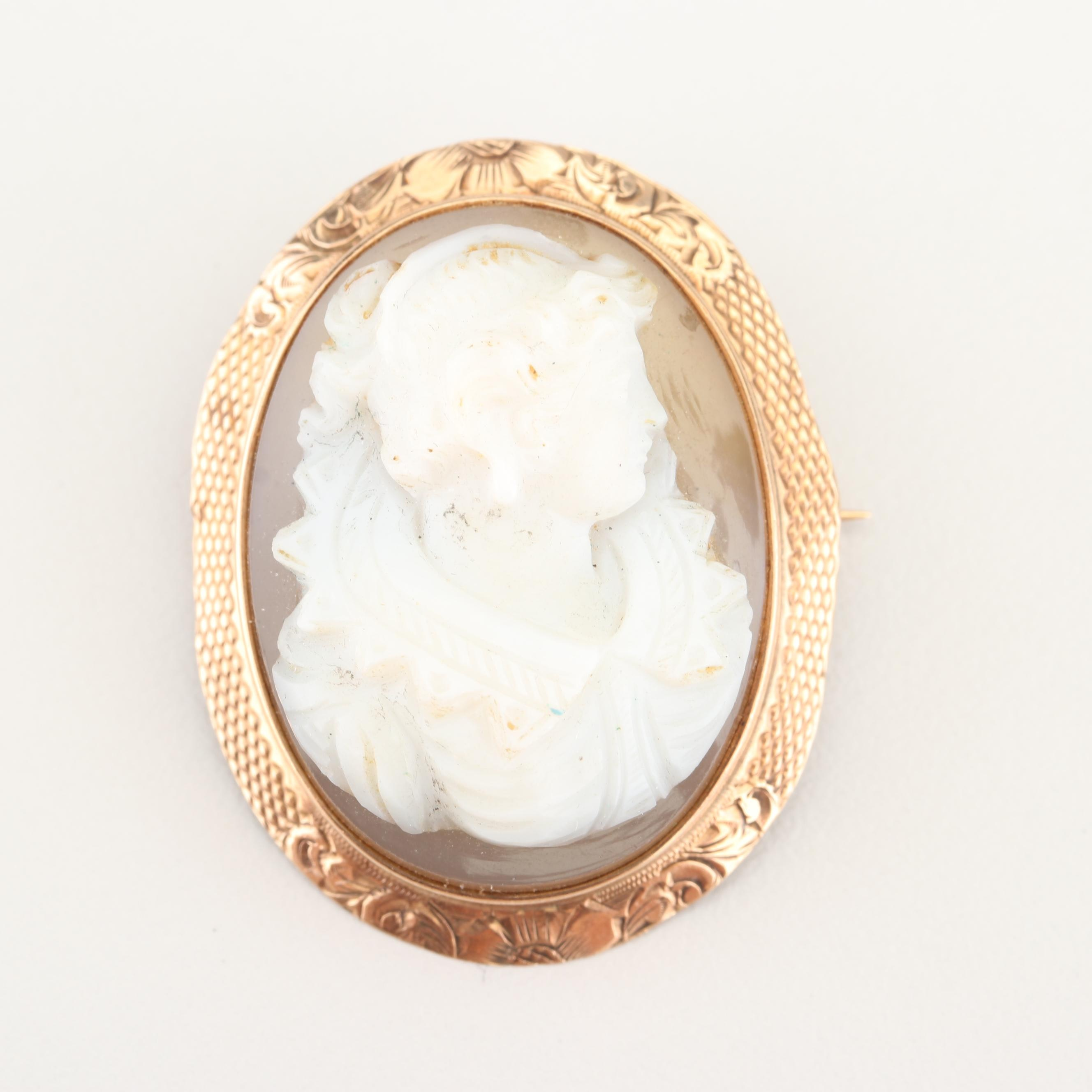 Victorian 10K Yellow Gold Carved Shell Cameo Brooch or Pendant