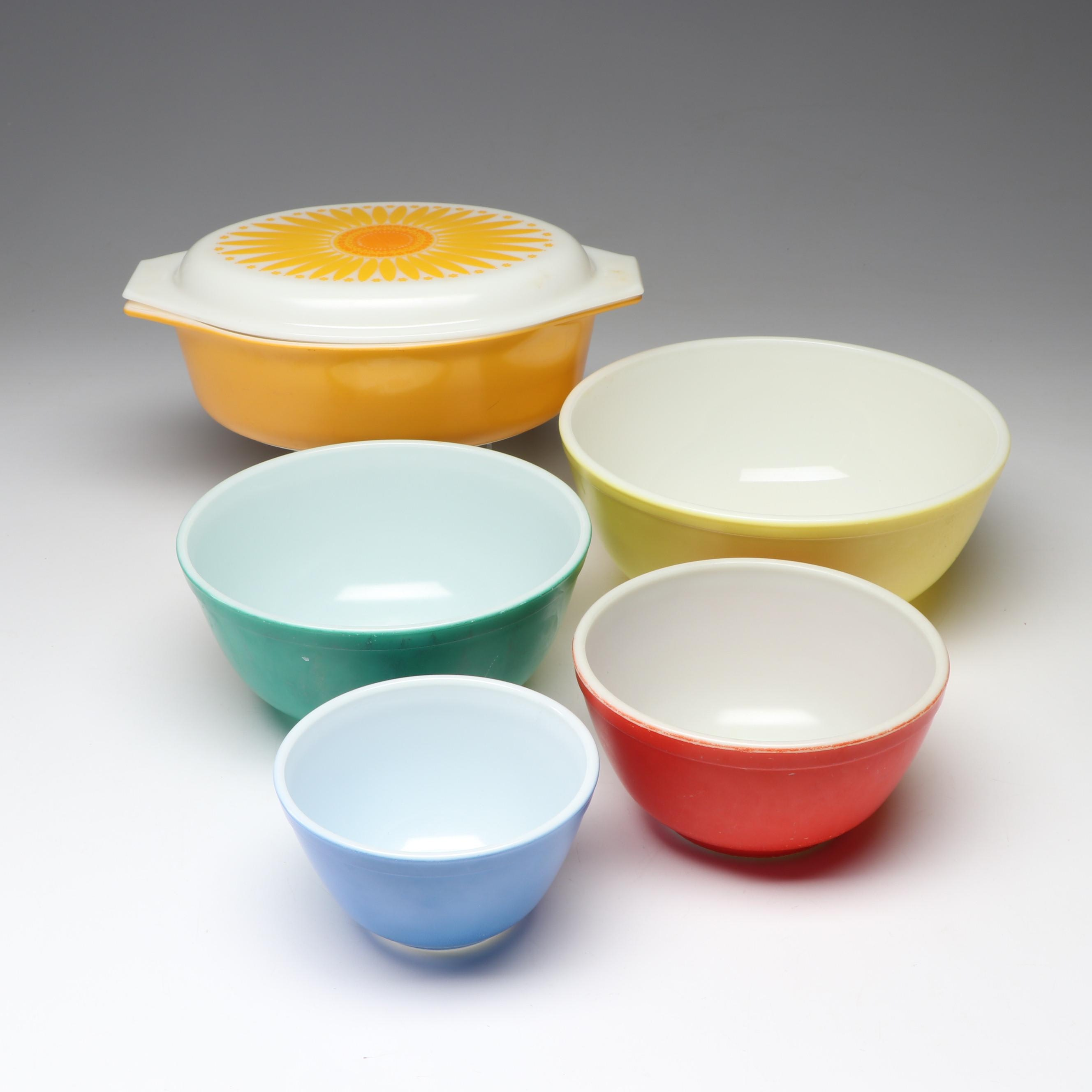 "Mid-Century Pyrex ""Primary Colors"" Mixing Bowls & ""Daisy"" Covered Casserole Dish"