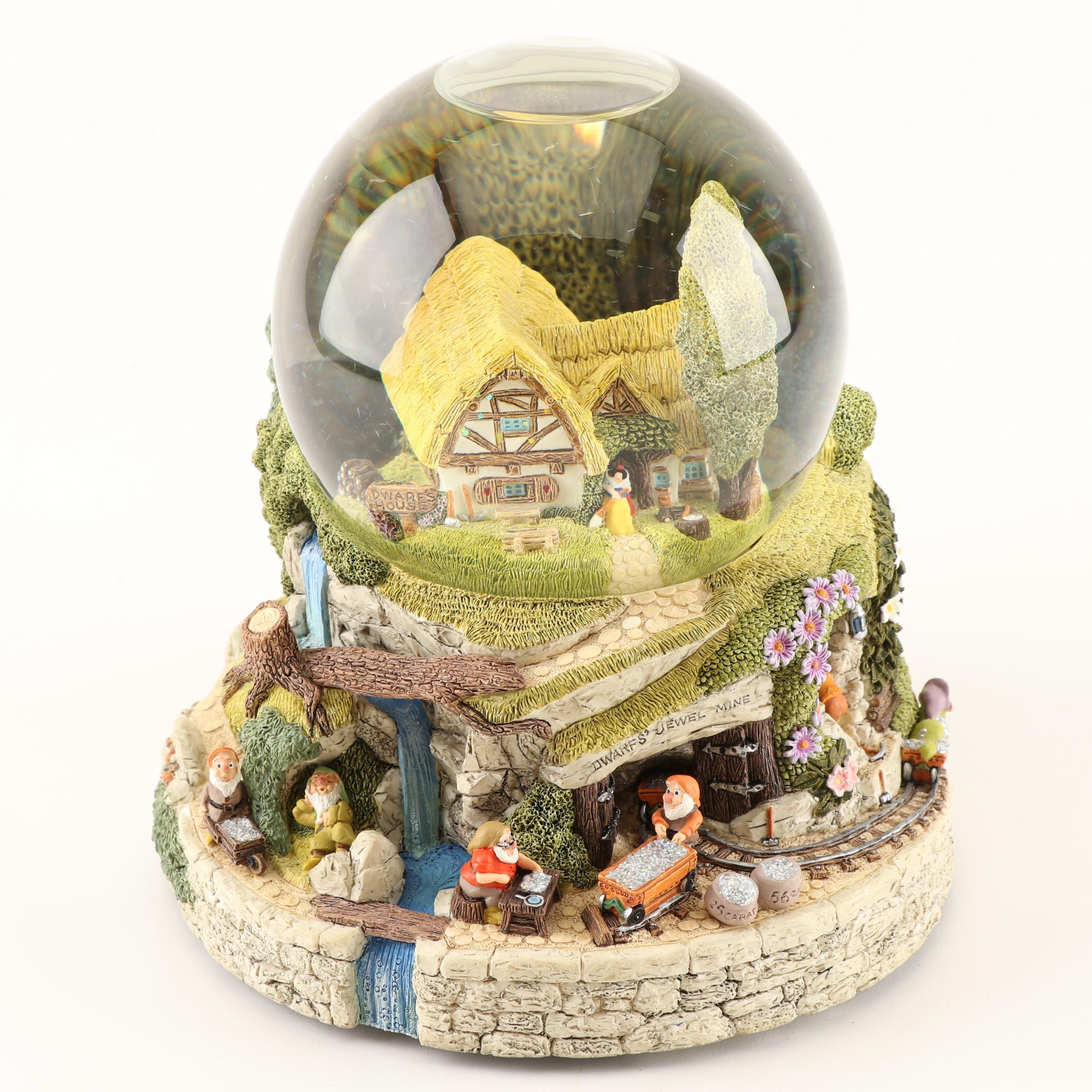 "Walt Disney's Snow White & The Seven Dwarfs Snow Globe ""Hi Ho Hi Ho"" Music Box"