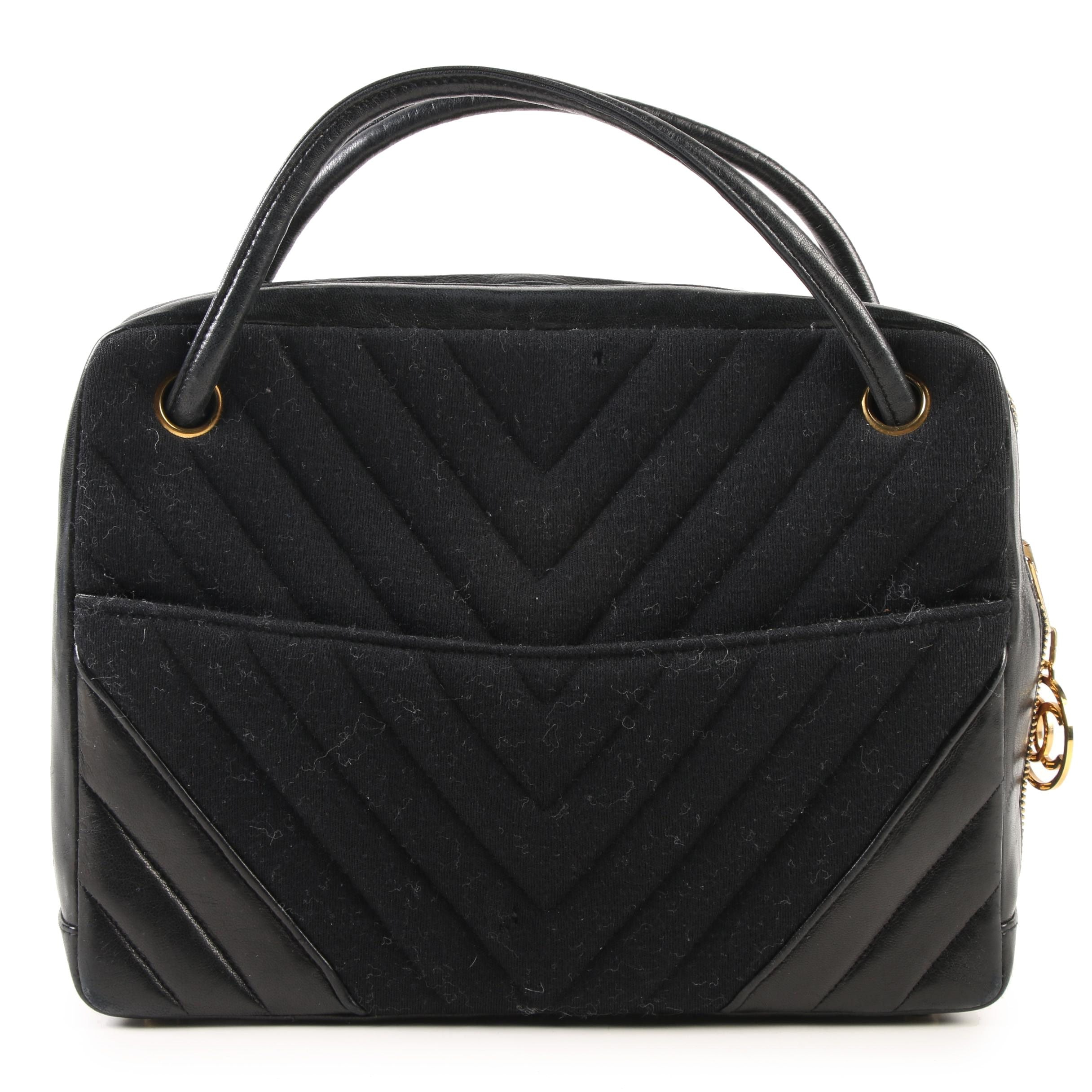 Chanel Handbag in Black Chevron Quilted Jersey and Leather, France, 1989-1991