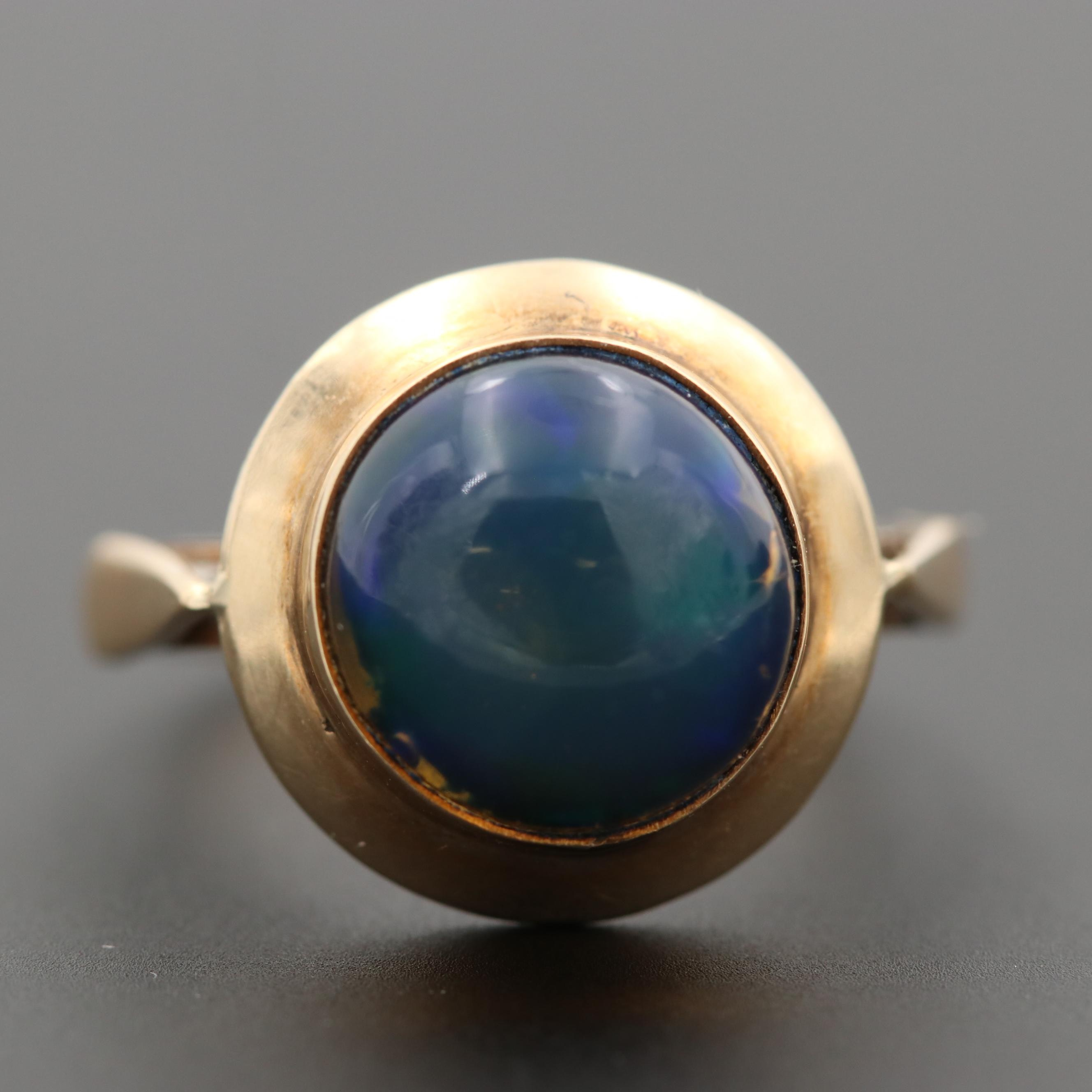 Vintage 14K Yellow Gold Round Opal Cabochon Ring