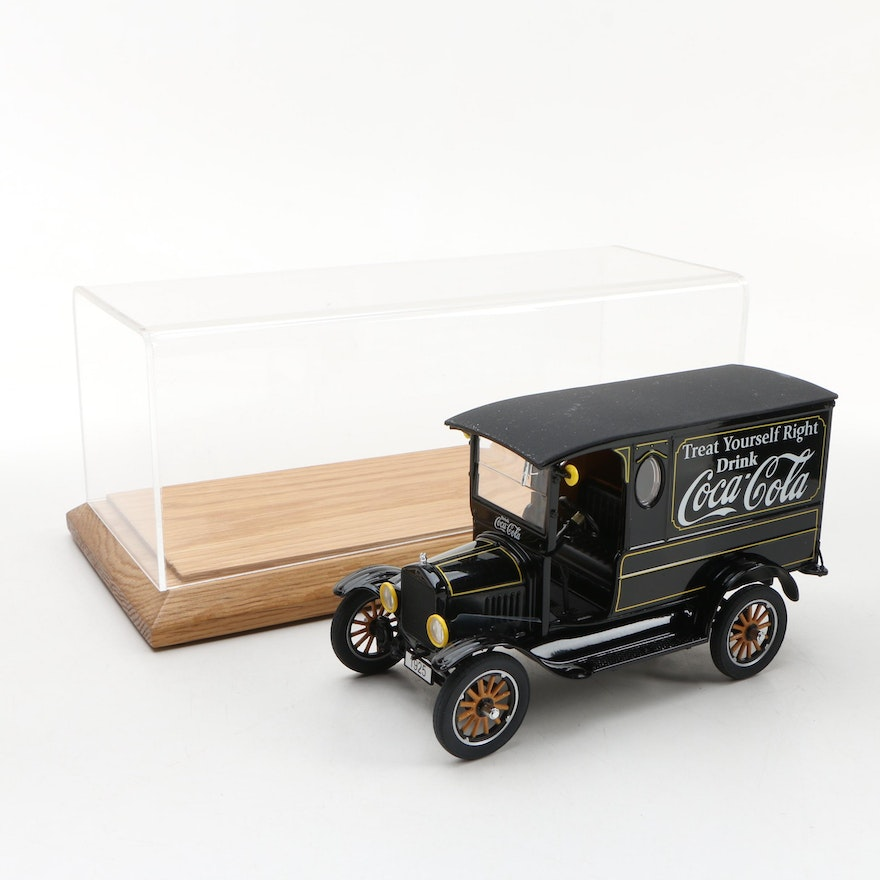 Danbury Mint Die-Cast 1925 Coca-Cola Delivery Truck with Display Case