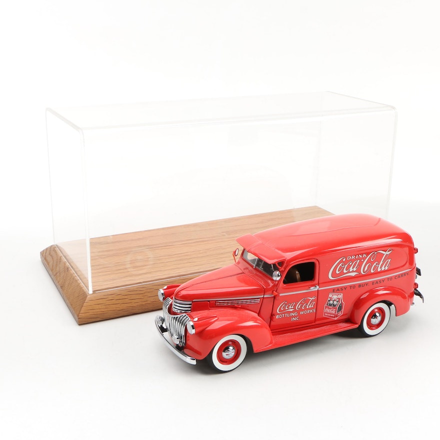 Danbury Mint Die-Cast 1941 Coca-Cola Delivery Truck with Display Case
