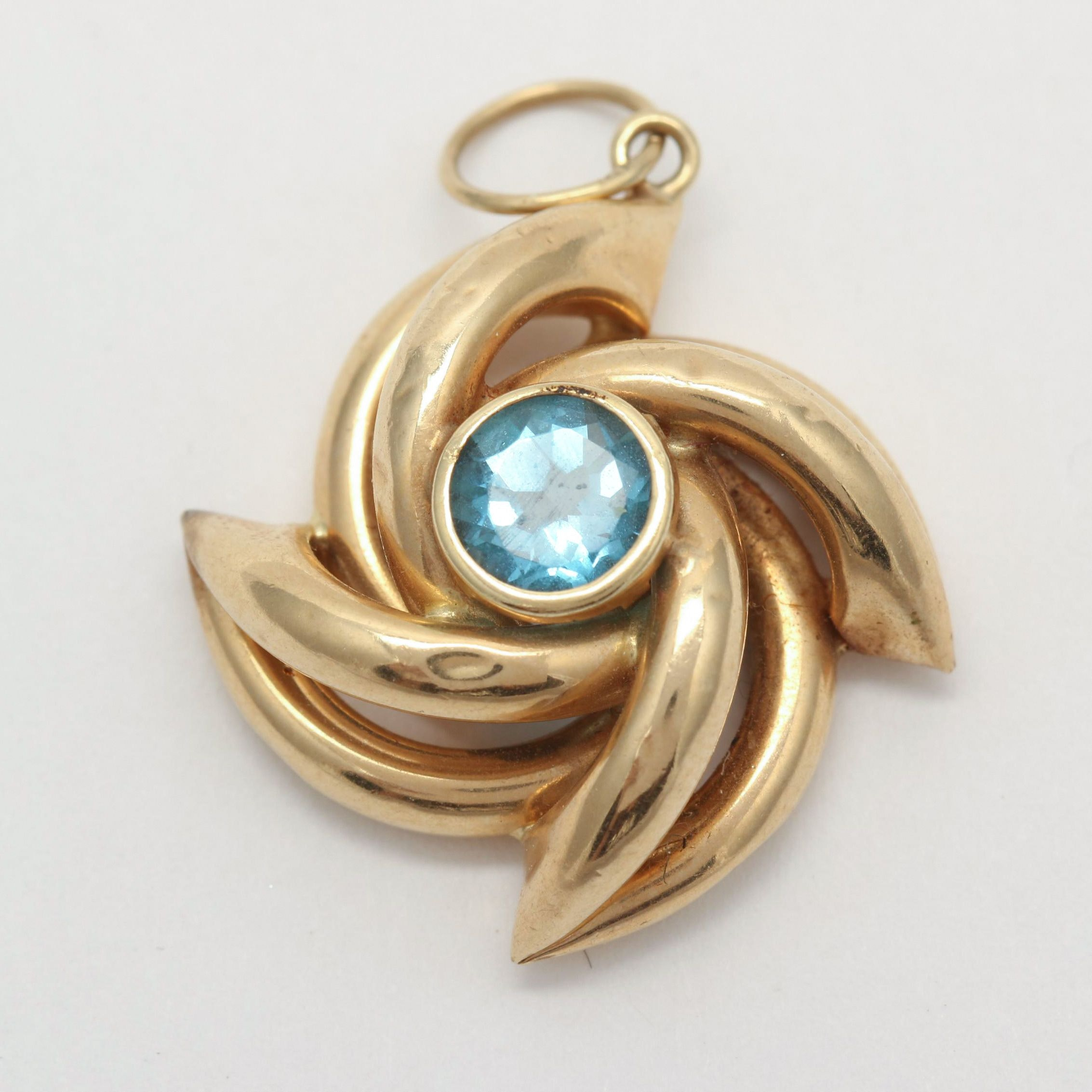 14K Yellow Gold 1.35 CT Blue Topaz Pendant