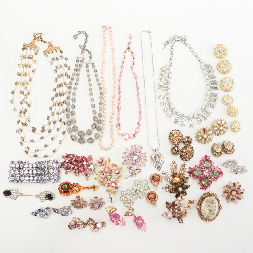 3f0cae3866a Assorted Collection of Vintage Costume Jewelry | EBTH